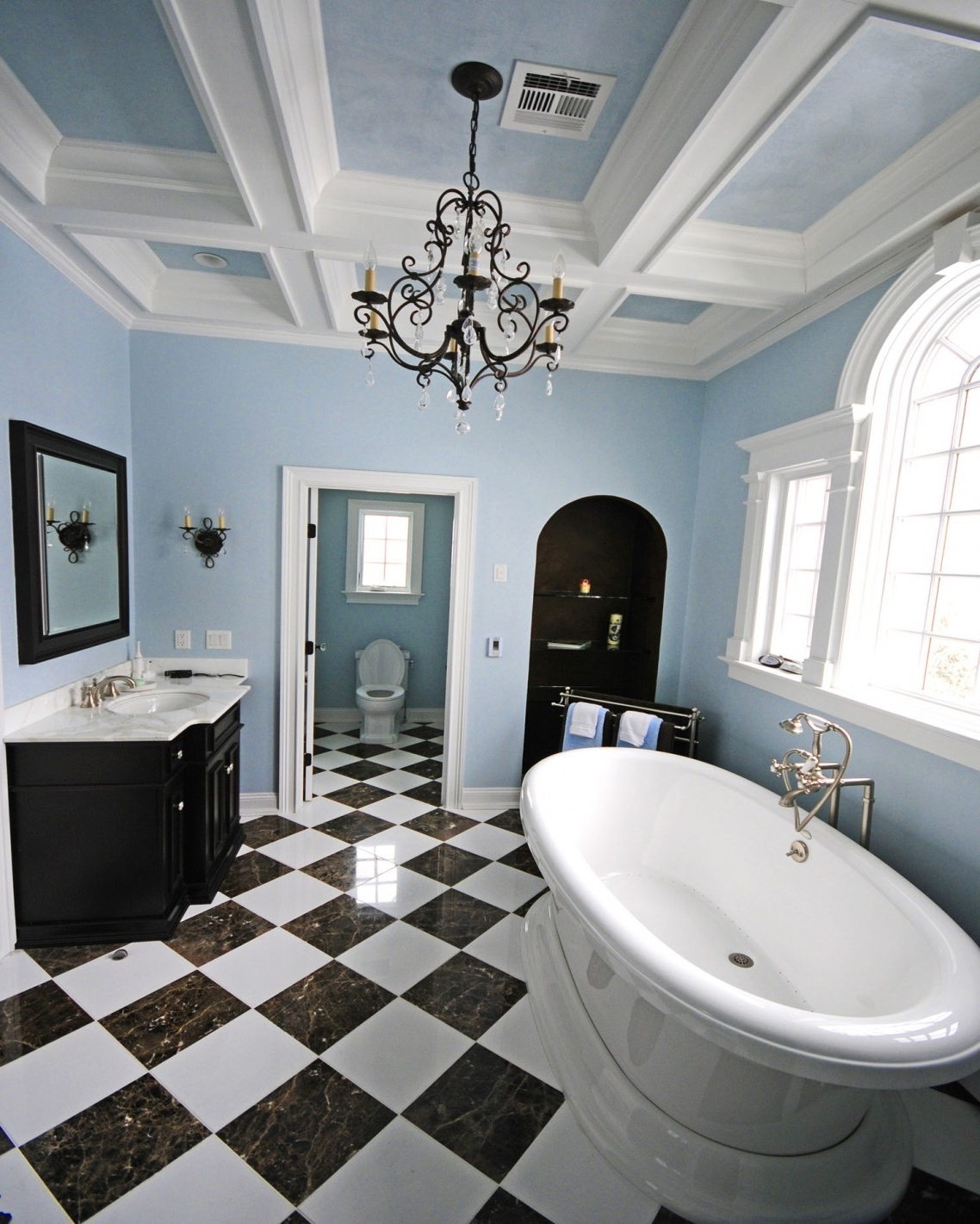 Bathroom Ideas: Bathroom Chandeliers With Black And White Tiles Regarding Most Recent Bathroom Chandeliers (View 13 of 20)