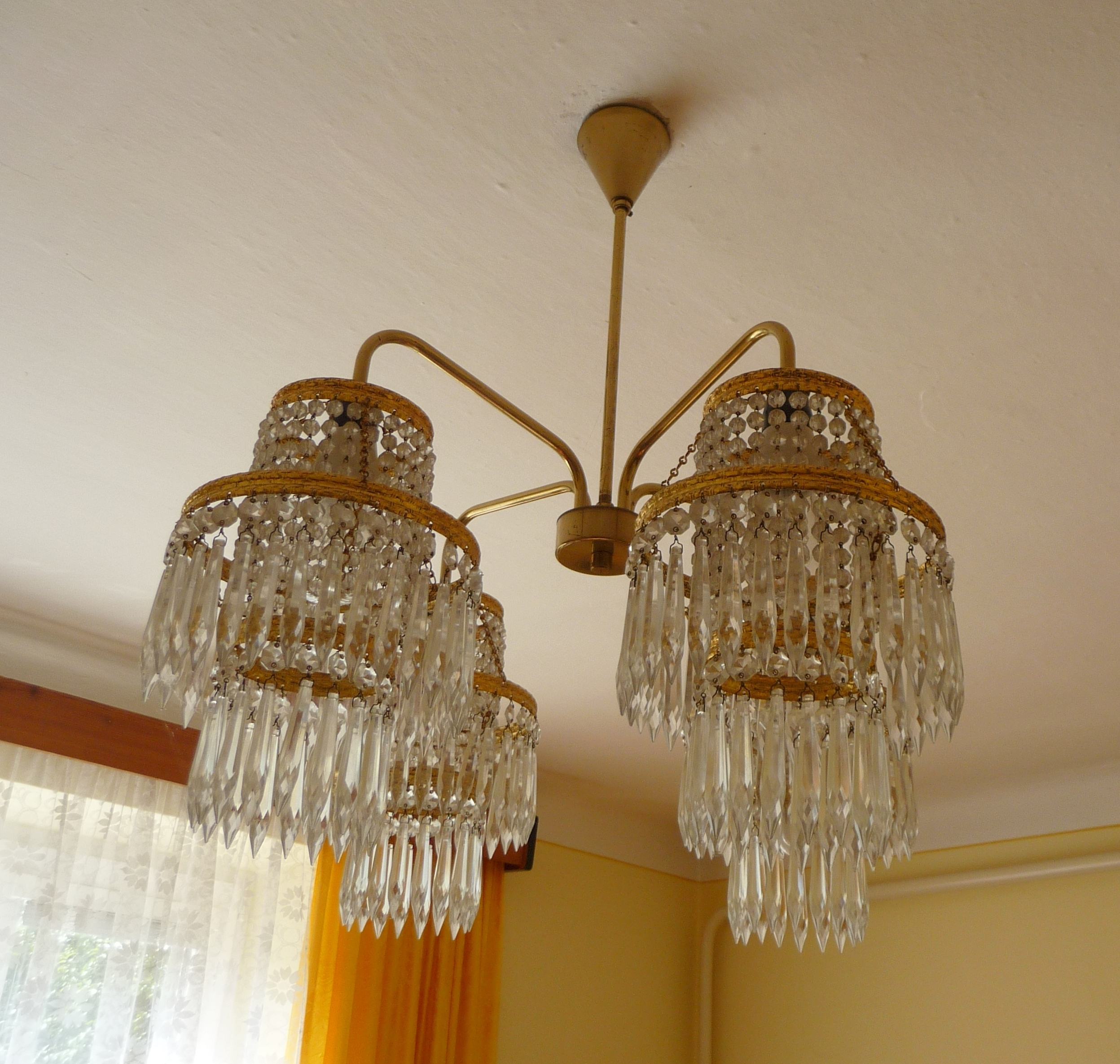 Best And Newest Lighting: Cut Glass Chandeliers With Modern Glass Chandelier Also Inside Coloured Glass Chandelier (View 2 of 20)
