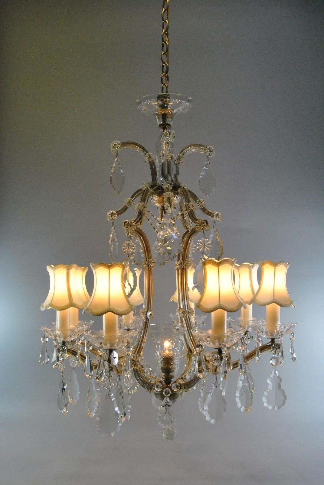 Best And Newest Vintage French Style 8 Arm Crystal Chandelier (View 4 of 20)