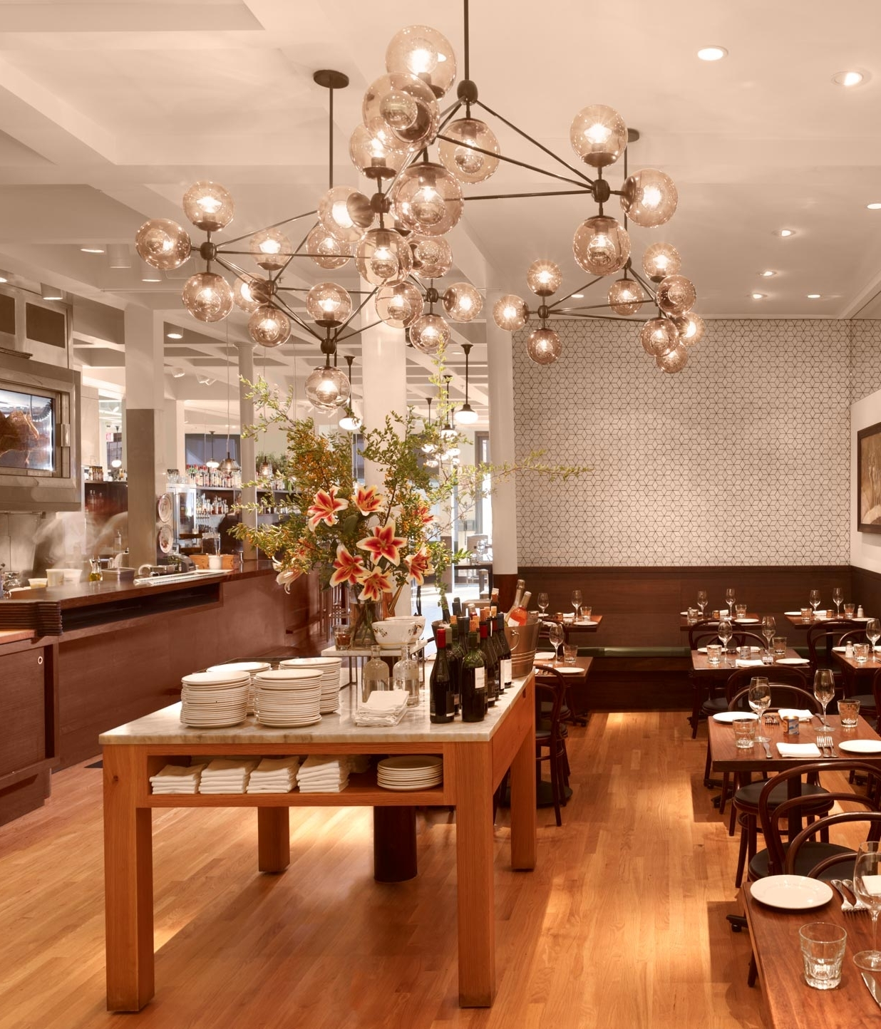 Cafes, Restaurants And Intended For Restaurant Chandeliers (View 19 of 20)