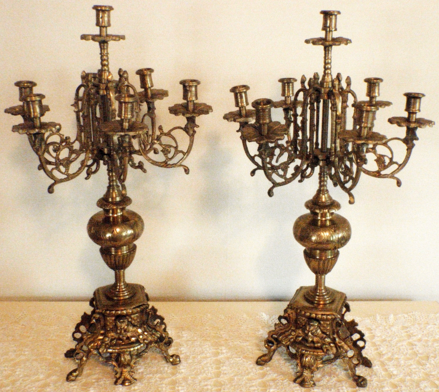 Candelabra And Chandelier With Popular Ornate Chandeliers (View 2 of 20)