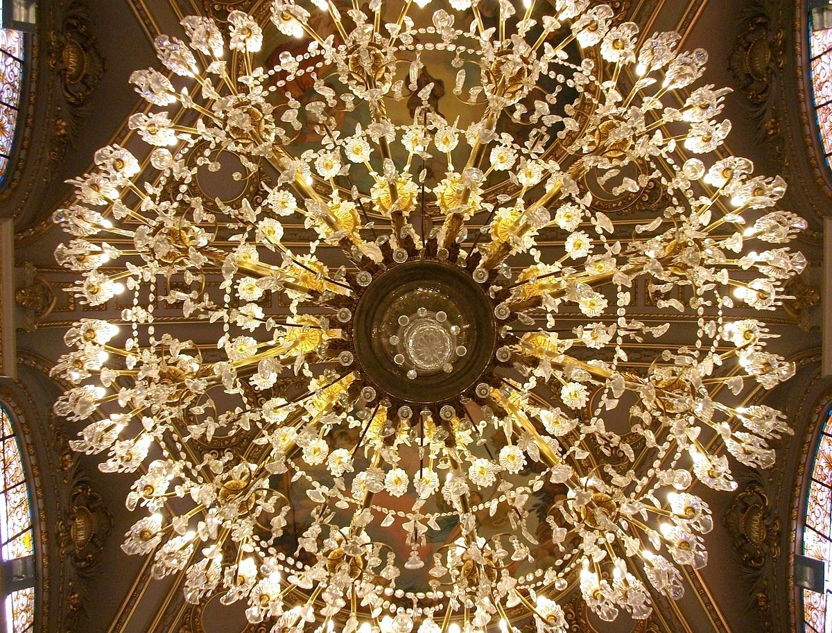 Chandelier – Wikipedia Regarding Popular Chinese Chandelier (View 4 of 20)
