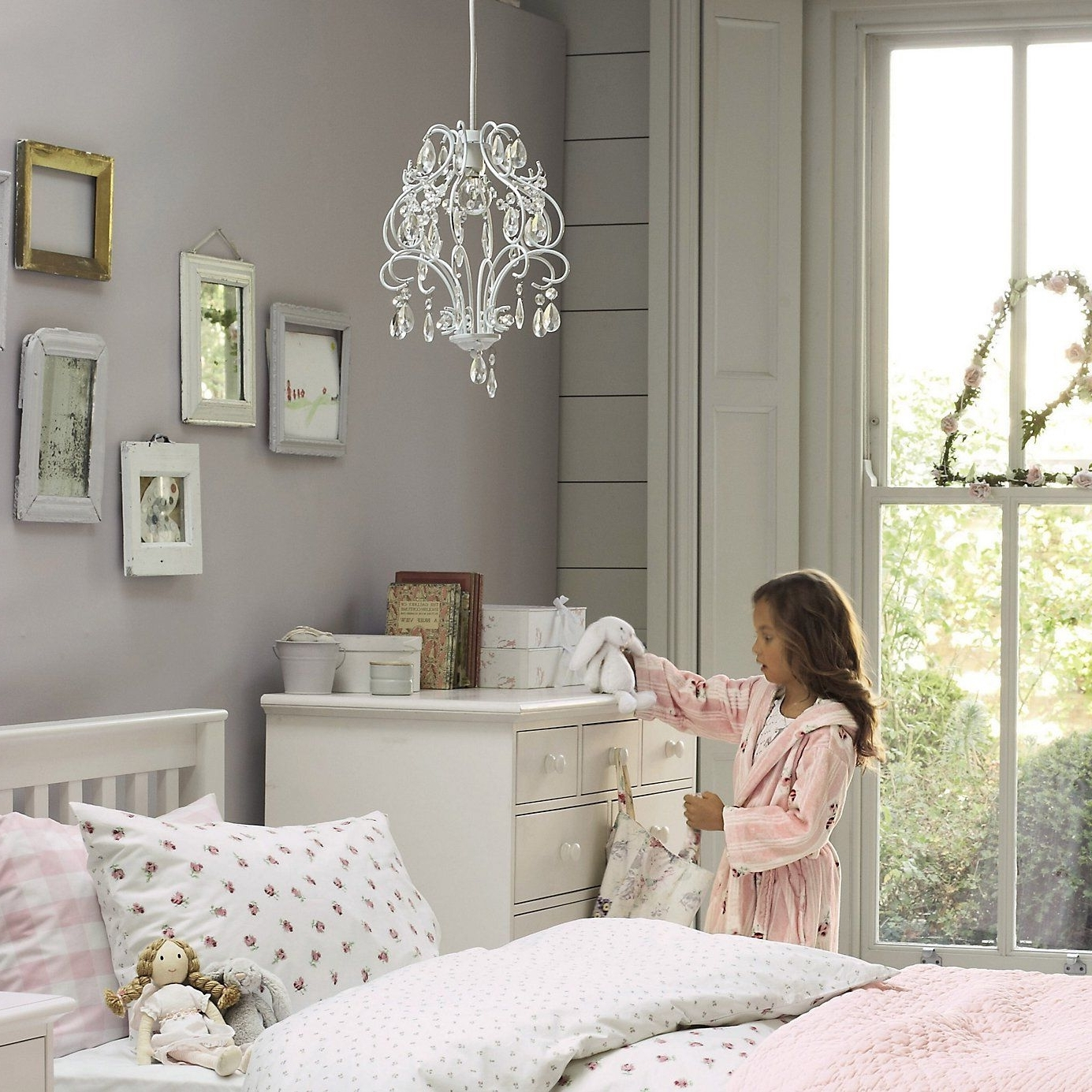Famous Chandeliers For Girl Nursery With Regard To Childrens Bedroom Chandeliers – Internetunblock – Internetunblock (View 12 of 20)