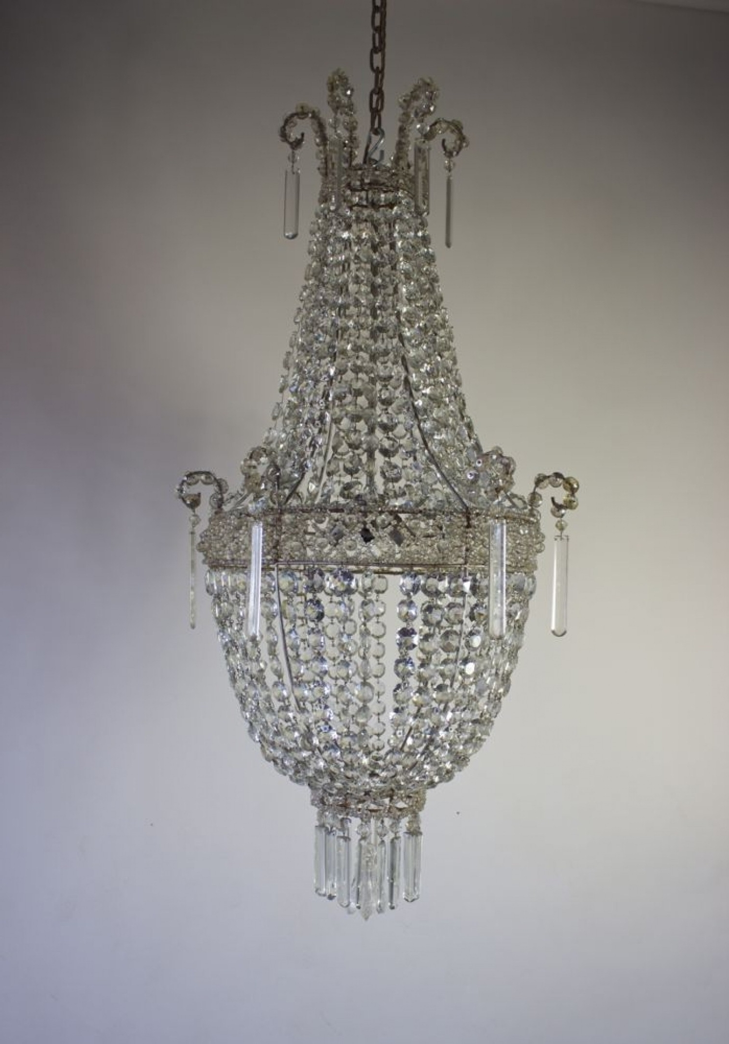 Favorite Cheap Big Chandeliers In Chandeliers Design Awesome Lighting Big Bathroom Modernheaphandelier (View 9 of 20)