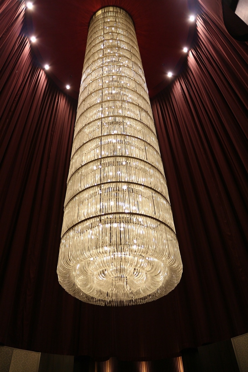 Favorite Giant Chandeliers Intended For In Focus: Chandelier Lighting — 1000bulbs Blog (View 5 of 20)