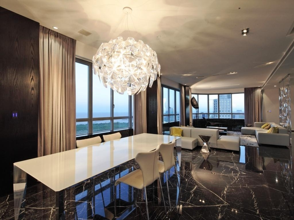 Large Contemporary Chandeliers With Fashionable Modern Chandeliers Large Contemporary Chandeliers Modern Minimalist (View 15 of 20)