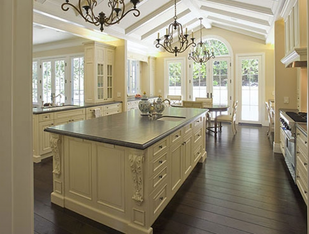 Most Current French Country Chandeliers For Kitchen Within Accessories: Appealing French Country Chandelier For Your Home (View 14 of 20)