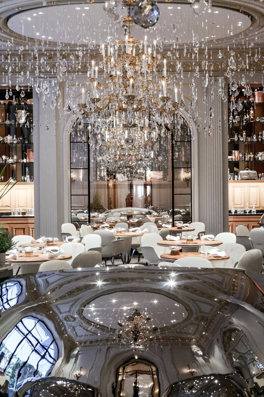 Most Current Restaurant Chandelier Regarding Light : Chandelier Restaurant Las Vegas Dubai Menu Bayonne Nj Hotel (View 9 of 20)