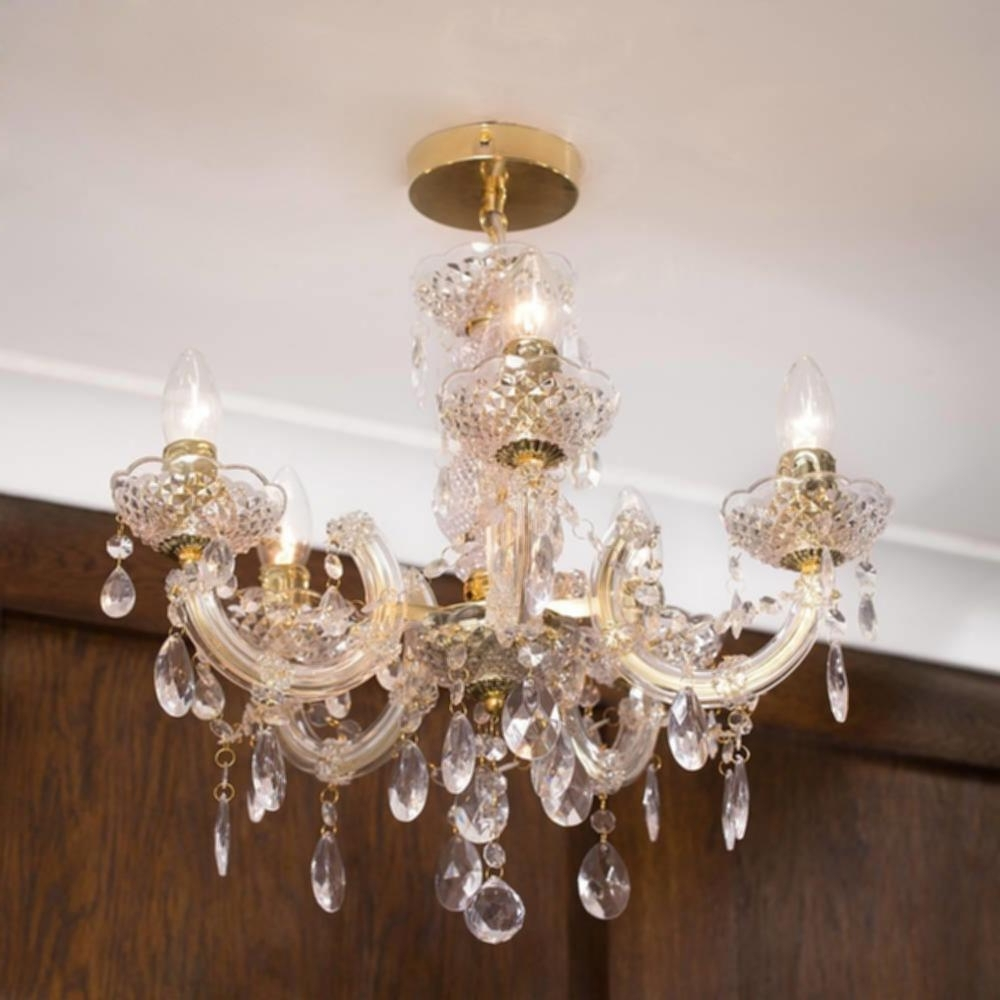 Most Recently Released Gold Chain Chandelier C01 Lc2066 Short Chain Chandeliers Images Regarding Short Chandelier Lights (View 10 of 20)