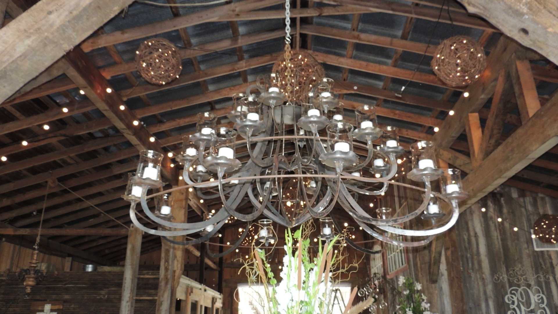 Most Up To Date Chandeliers : Big Chandelier Lovely Giant Huge Chandelier Pertaining To Giant Chandeliers (View 16 of 20)