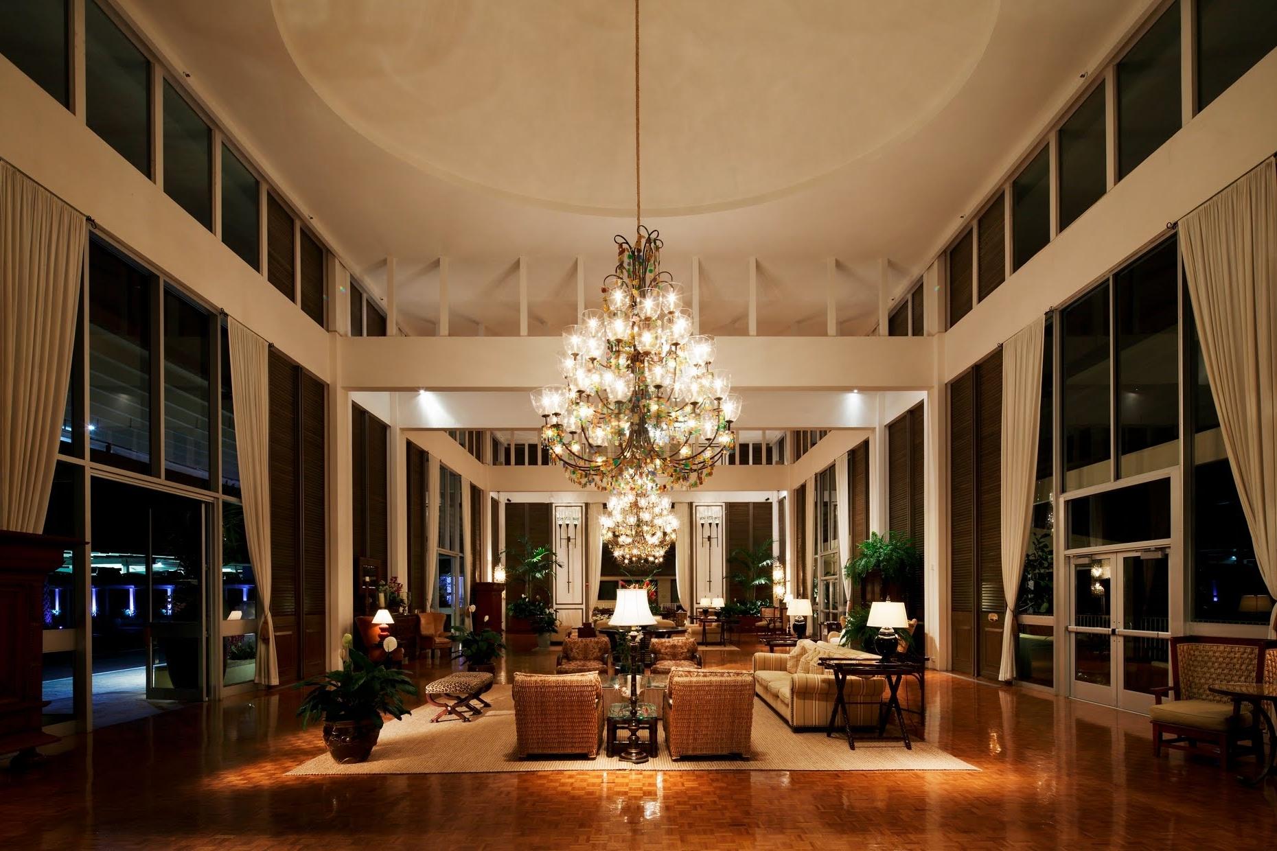 Popular Hotel Chandelier In Hotel Chandelier Kahala – Closdurocnoir (View 13 of 20)