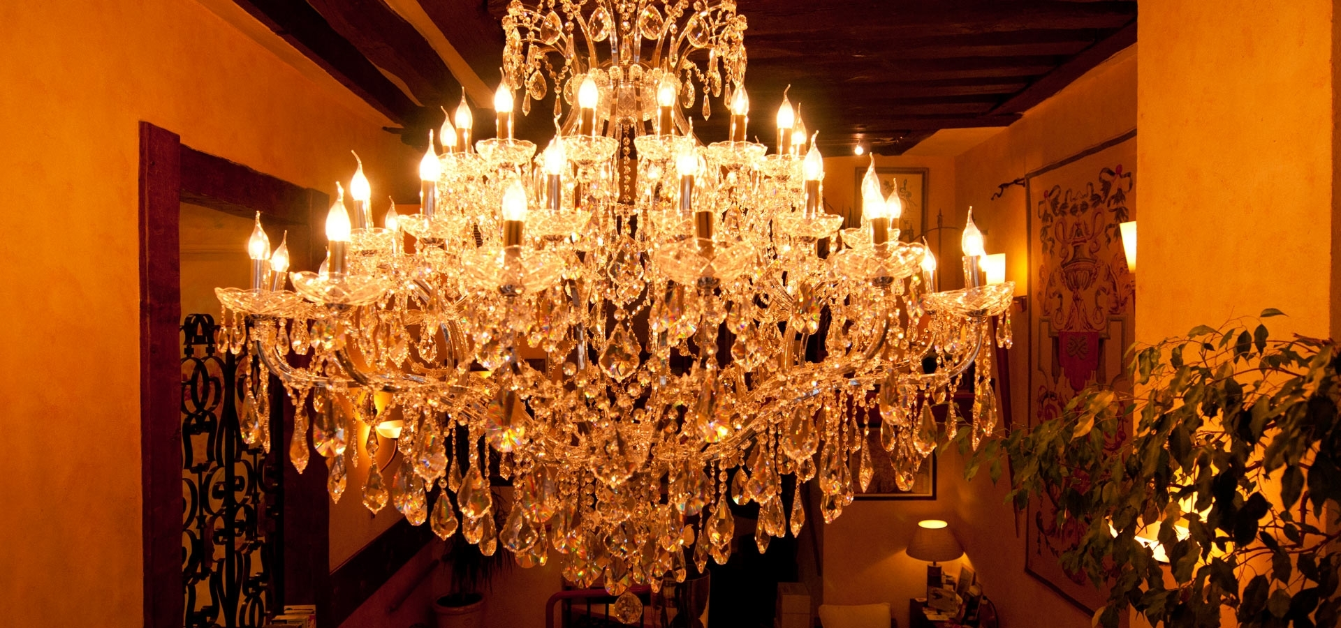 Popular Hotel Chandelier With Centrale Ecole Hotel 3* › Hotel Ecole Centrale (View 6 of 20)