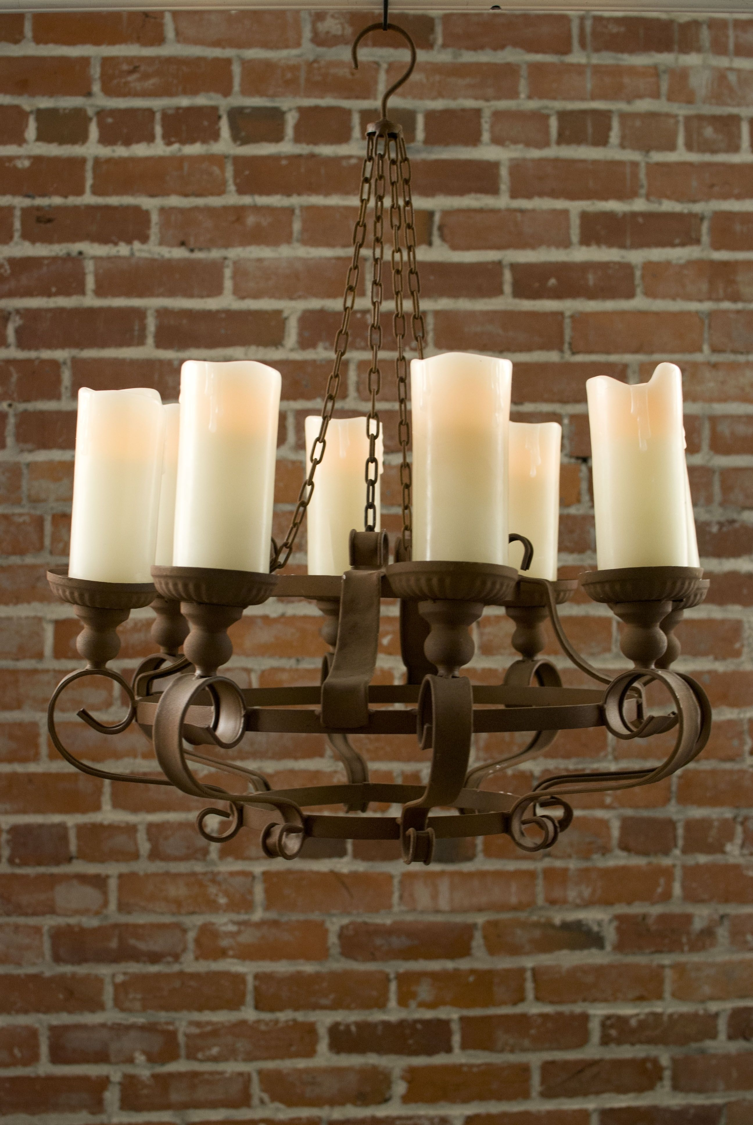 Popular Rustic Chandeliers With Battery Powered Led Candles (View 13 of 20)
