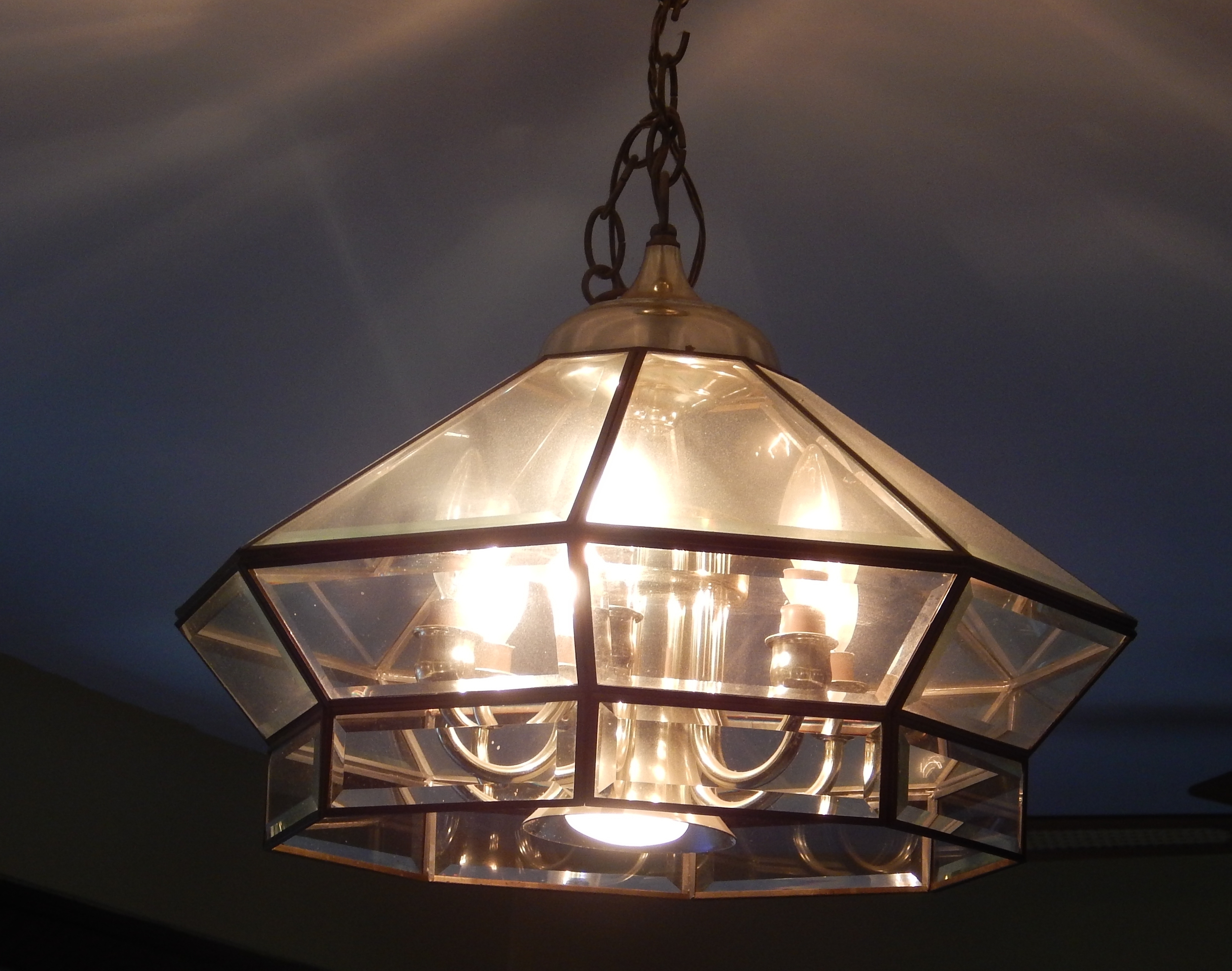 Restyle4life With Regard To Fashionable Brass And Glass Chandelier (View 4 of 20)
