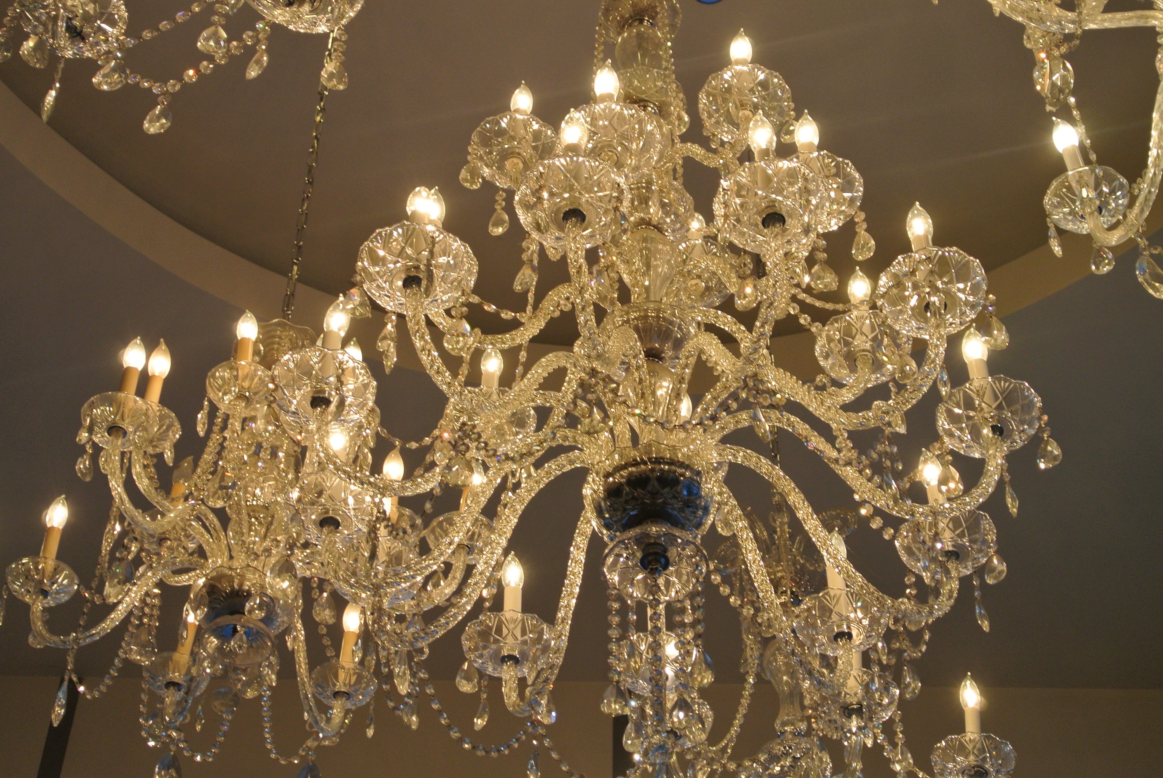 The Allure Of The Crystal Chandelier (View 17 of 20)