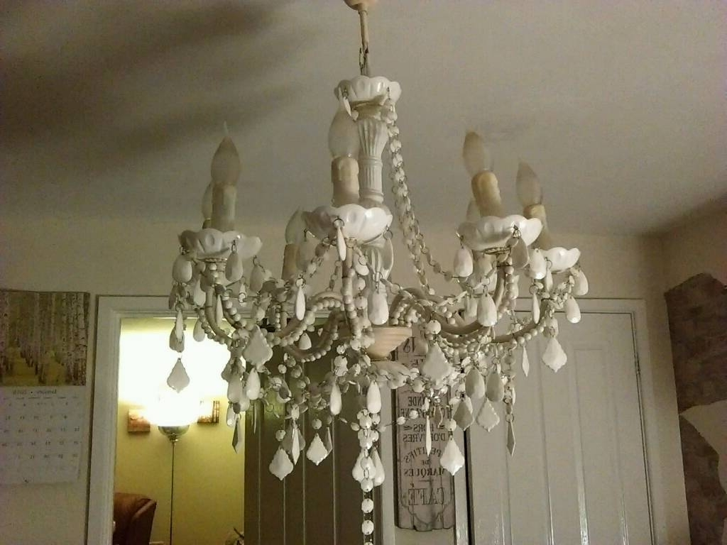 Trendy Large Cream Chandelier Within Large Cream Chandelier (View 19 of 20)