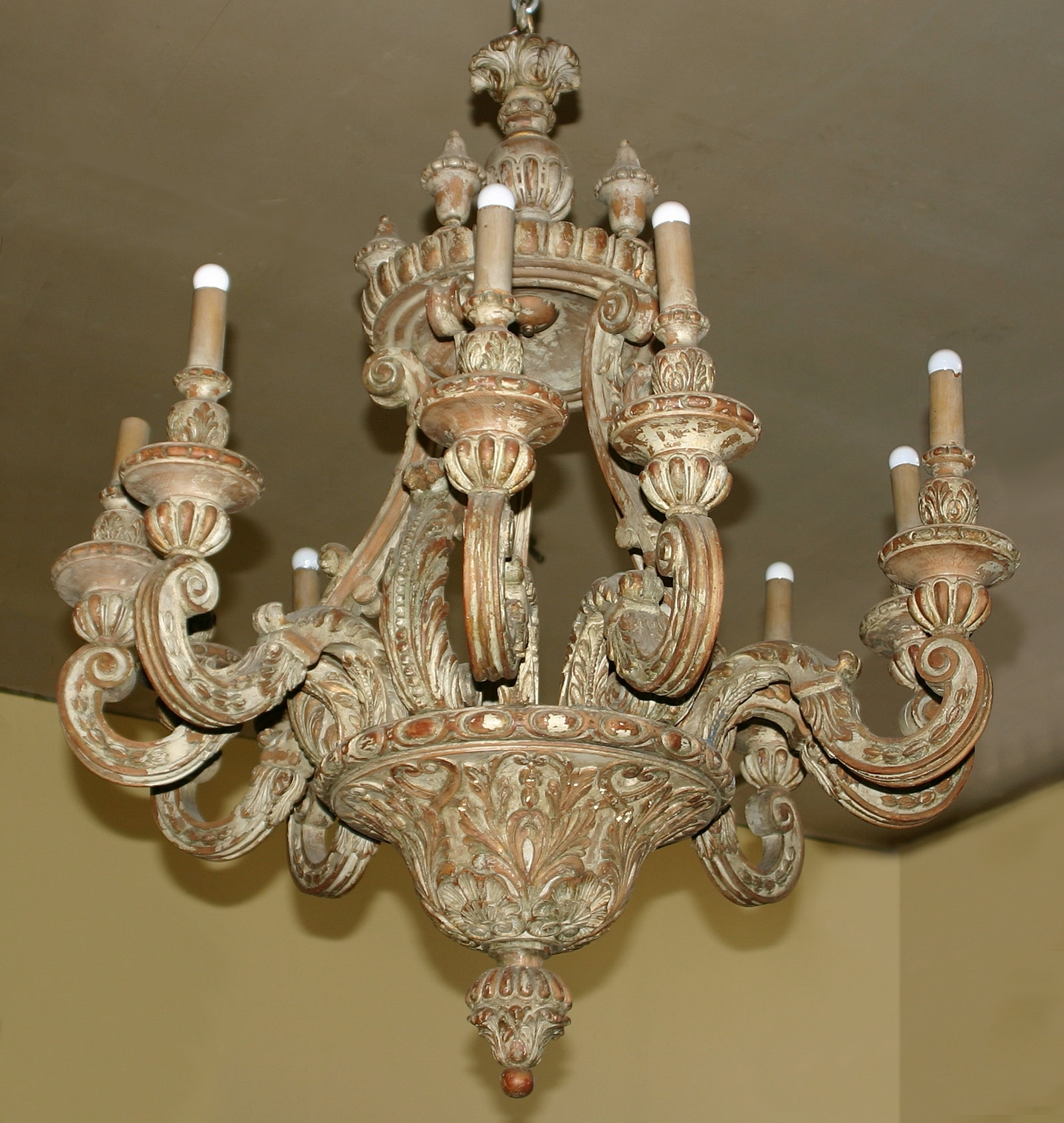 Well Known Baroque Style, Painted Pine, Ten Light Chandelier In Baroque Chandelier (View 20 of 20)