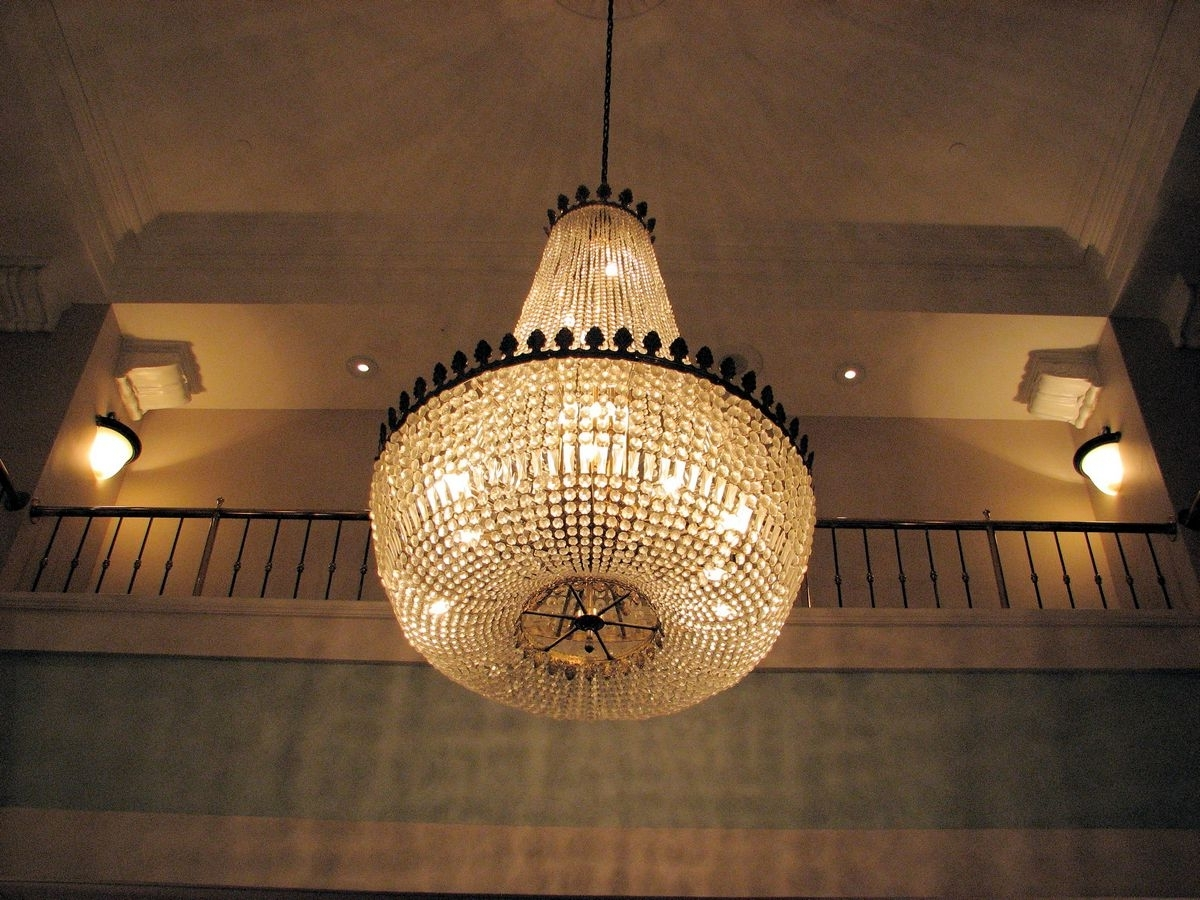 Well Known Hotel Chandelier Throughout Chandelier (View 2 of 20)