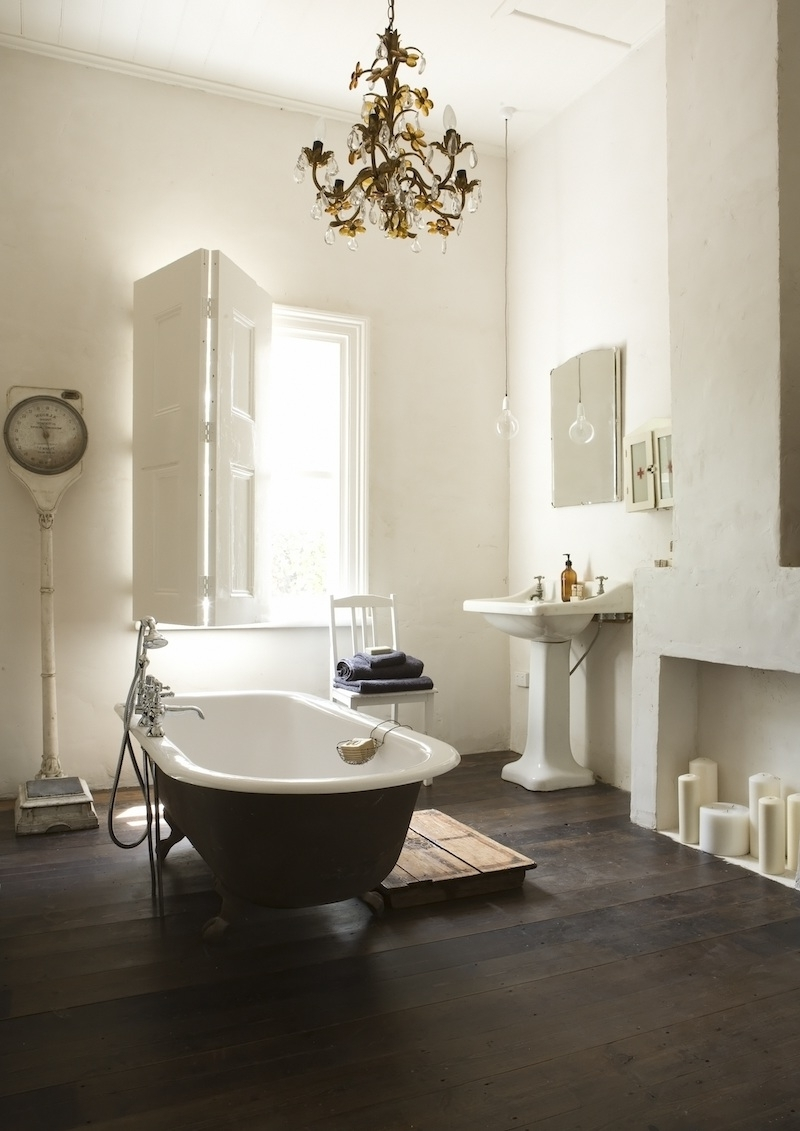 Widely Used Bathroom Chandeliers Throughout 21 Ideas To Decorate Lamps & Chandelier In Bathroom (View 8 of 20)