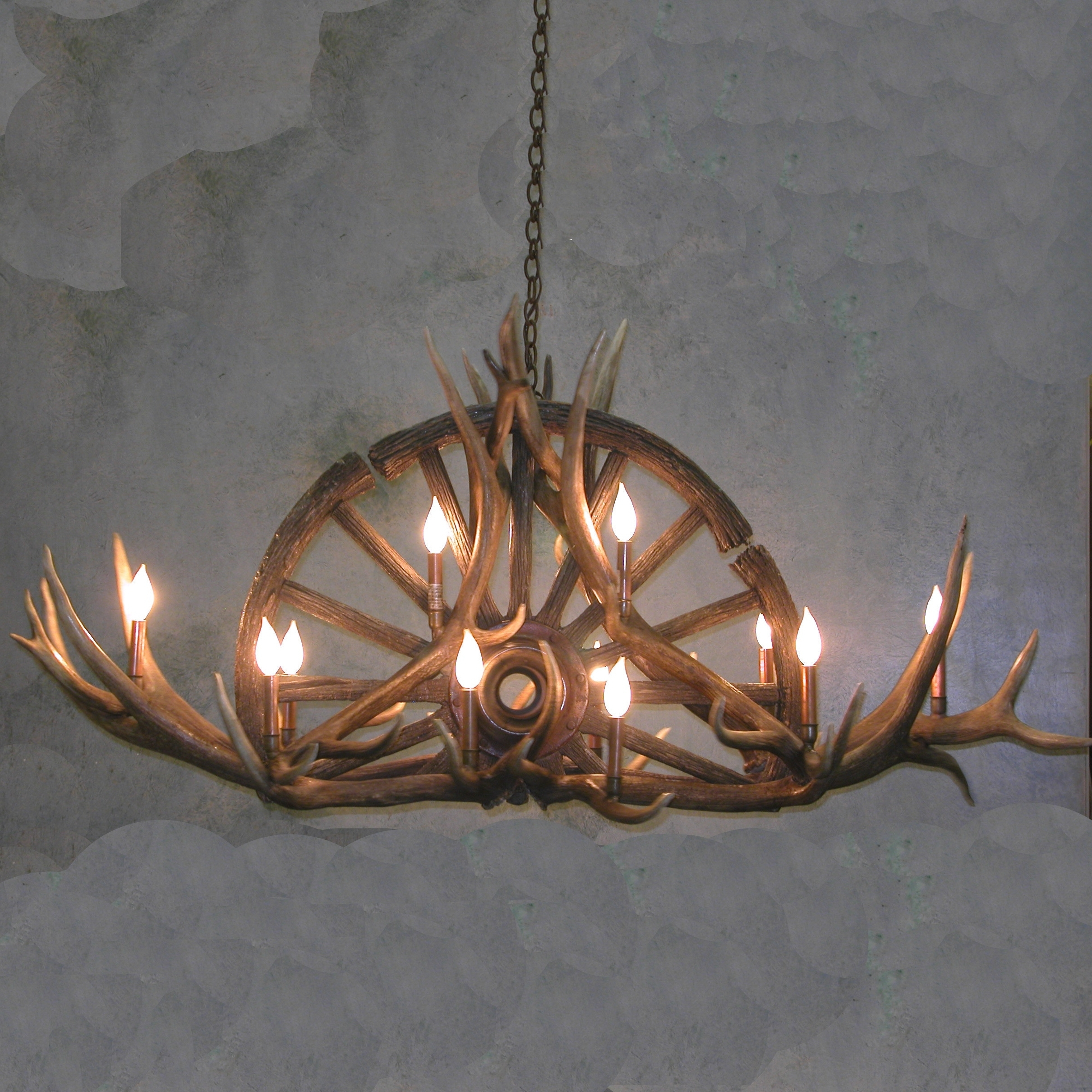 Widely Used Large Antler Chandelier Within Wagon Wheel Antler Chandelier (View 10 of 20)
