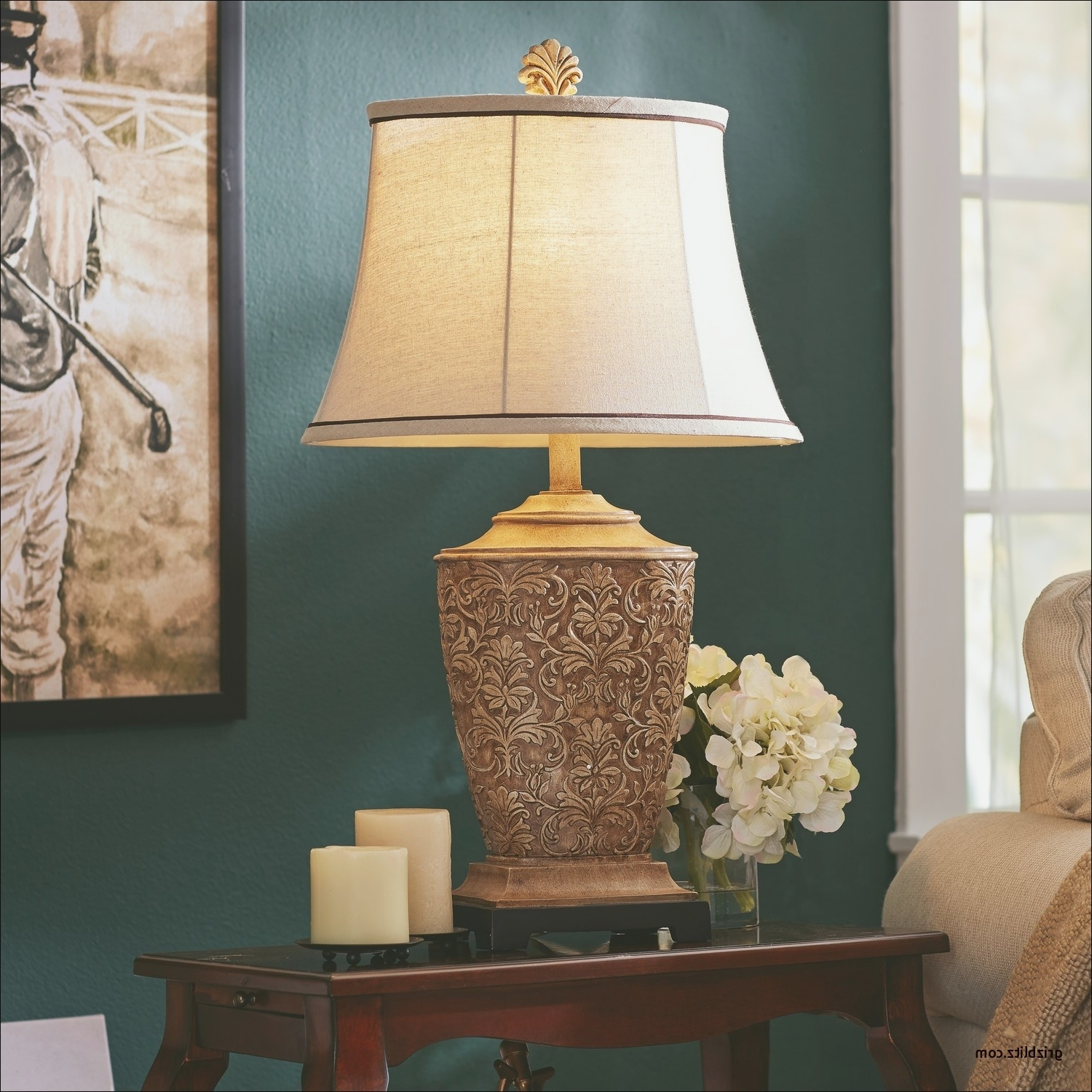 Featured Photo of Elegant Living Room Table Lamps