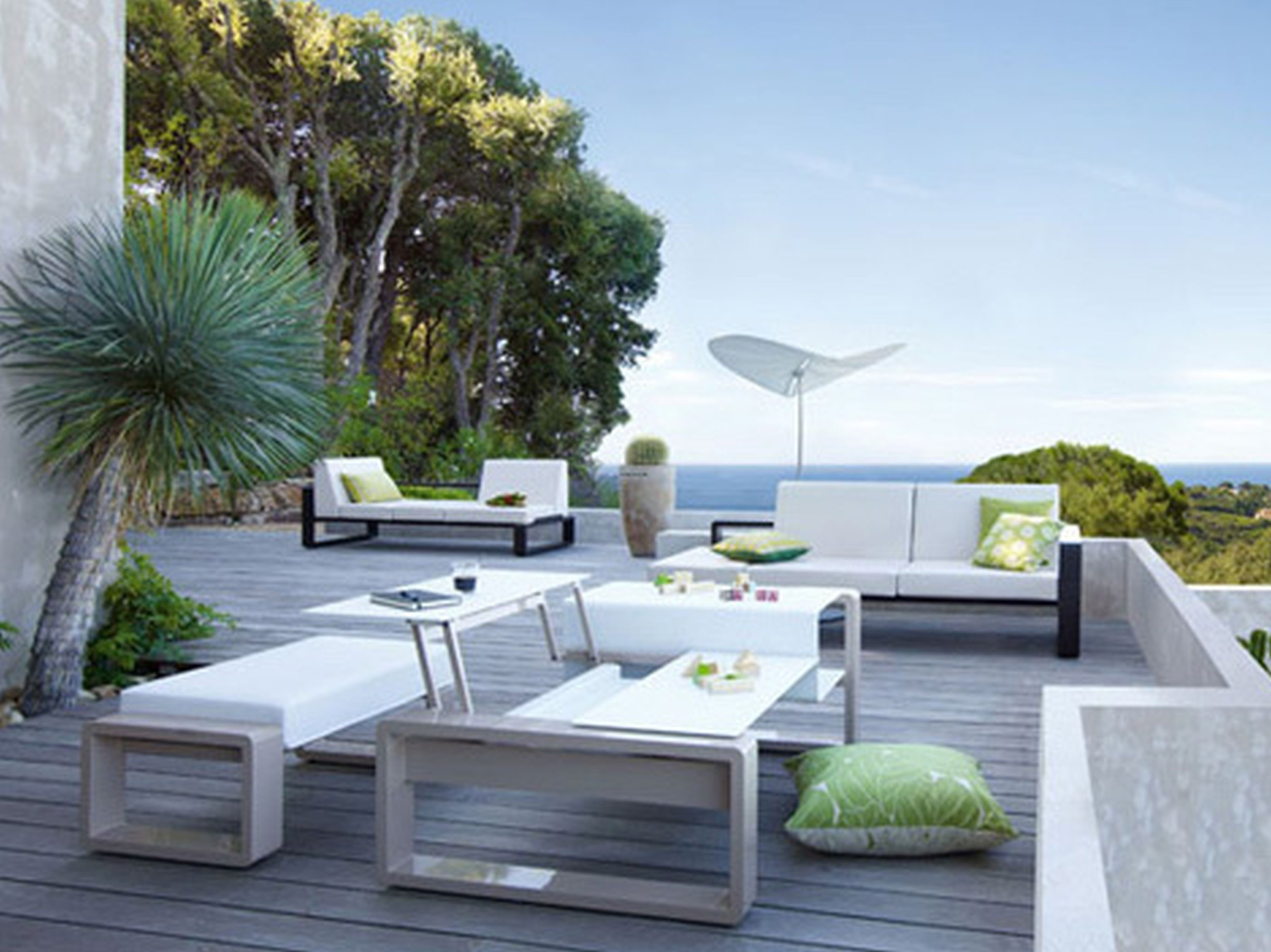 2018 Modern Patio Conversation Sets With Exciting Modern Outdoor Dining Table Home Design White Tables (View 19 of 20)