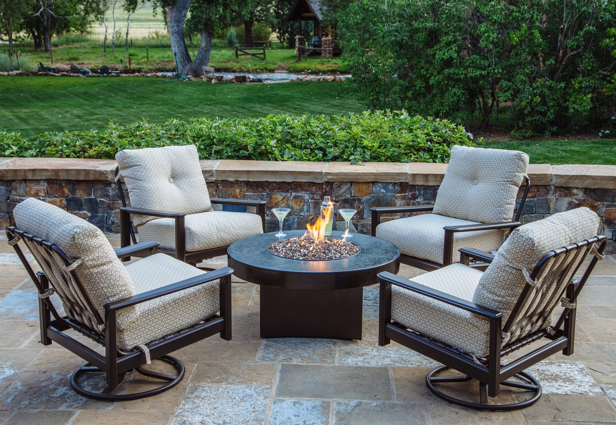 5 Piece Outdoor Chat Set (Gallery 1 of 20)
