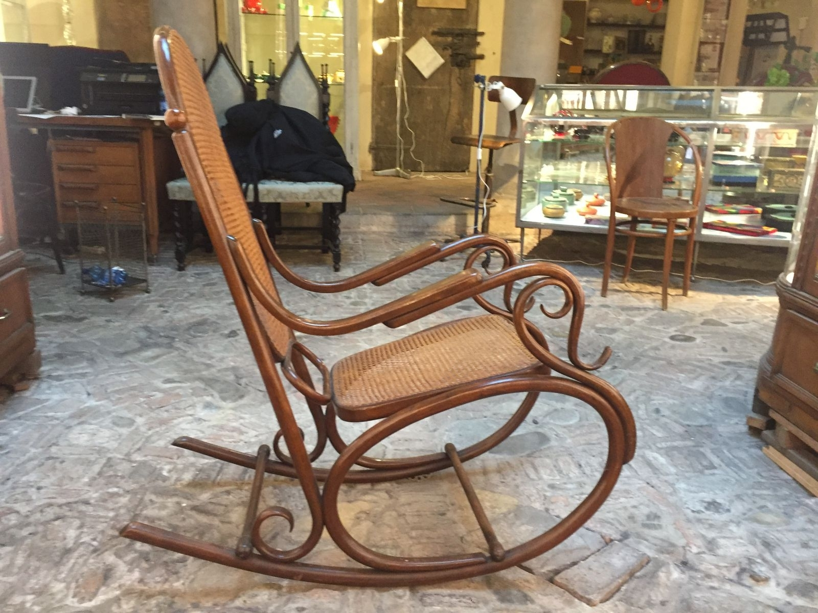 Antique Rocking Chair For Sale – Image Antique And Candle Throughout Well Known Antique Rocking Chairs (View 4 of 20)