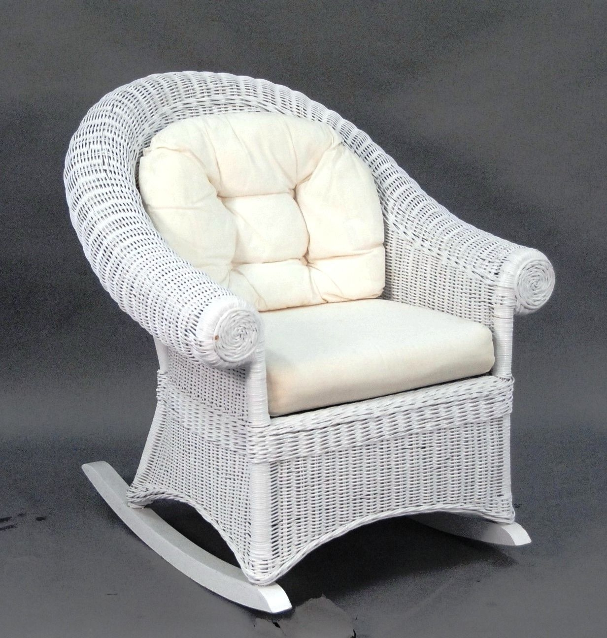 Choosing A White Wicker Rocking Chair – Http://www (View 3 of 20)