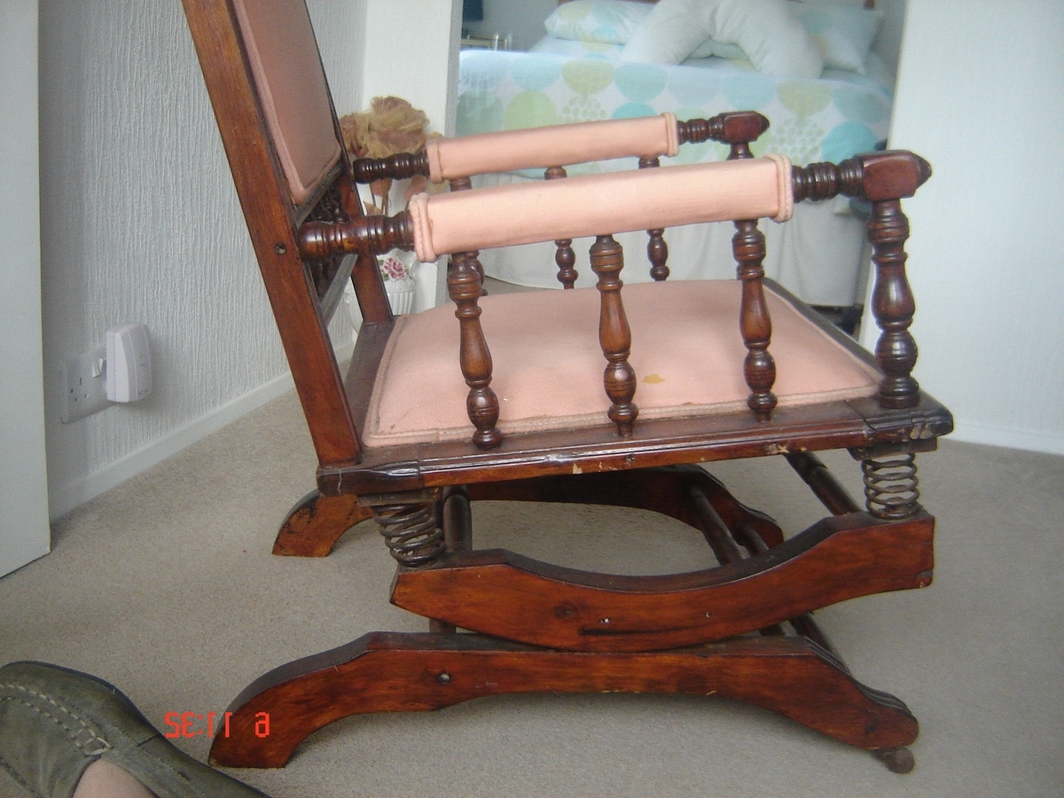 Featured Photo of Rocking Chairs With Springs