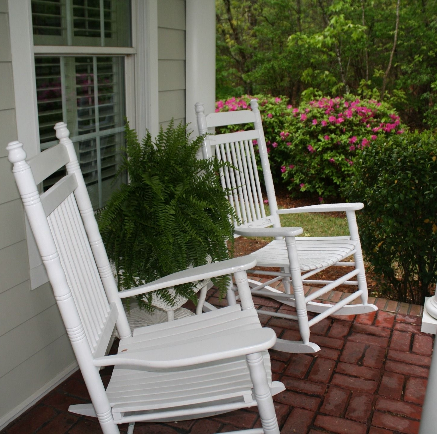 Cracker Barrel White Rocking Chairs Boston Ferns Front Porch (View 2 of 20)
