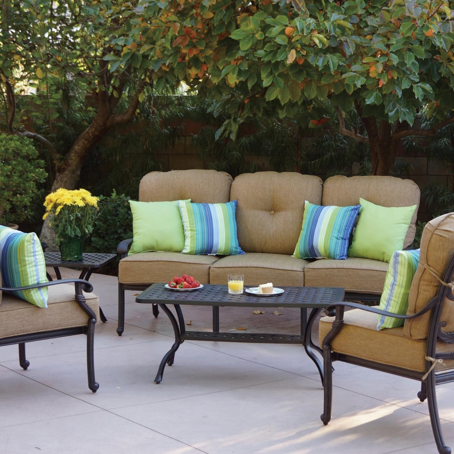 Fashionable Darlee Santa Monica 5 Piece Cast Aluminum Patio Conversation Seating Pertaining To Cast Aluminum Patio Conversation Sets (View 10 of 20)