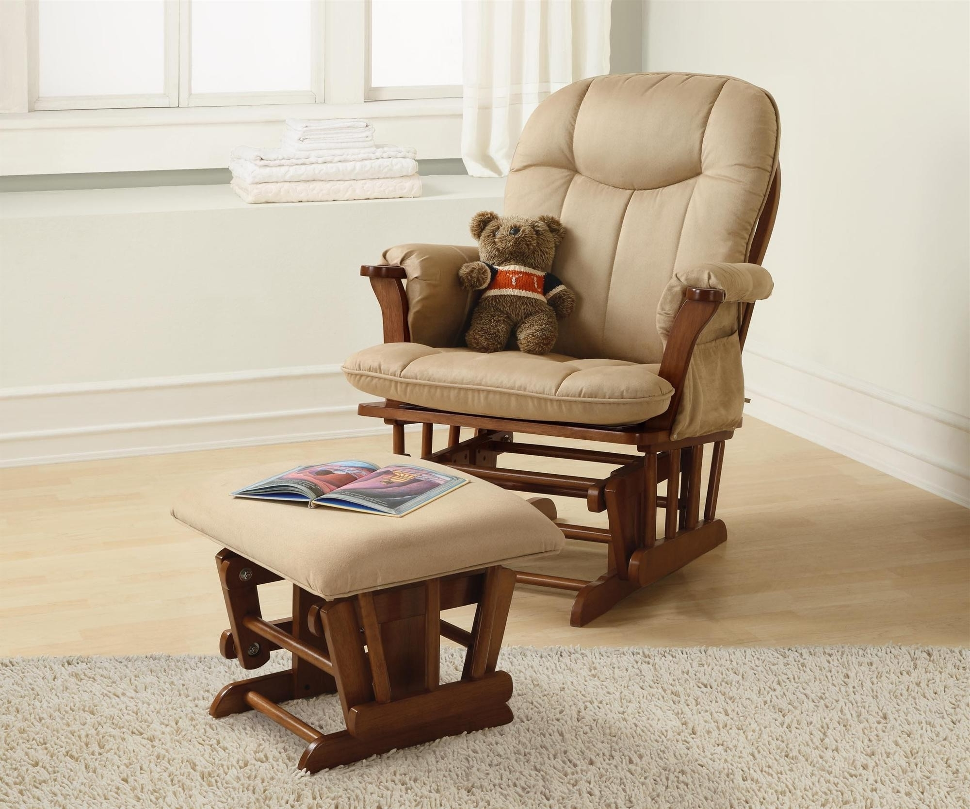 Furniture: Nursery Rocking Chairs & Gliders Throughout Trendy Rocking Chairs For Nursery (View 4 of 20)