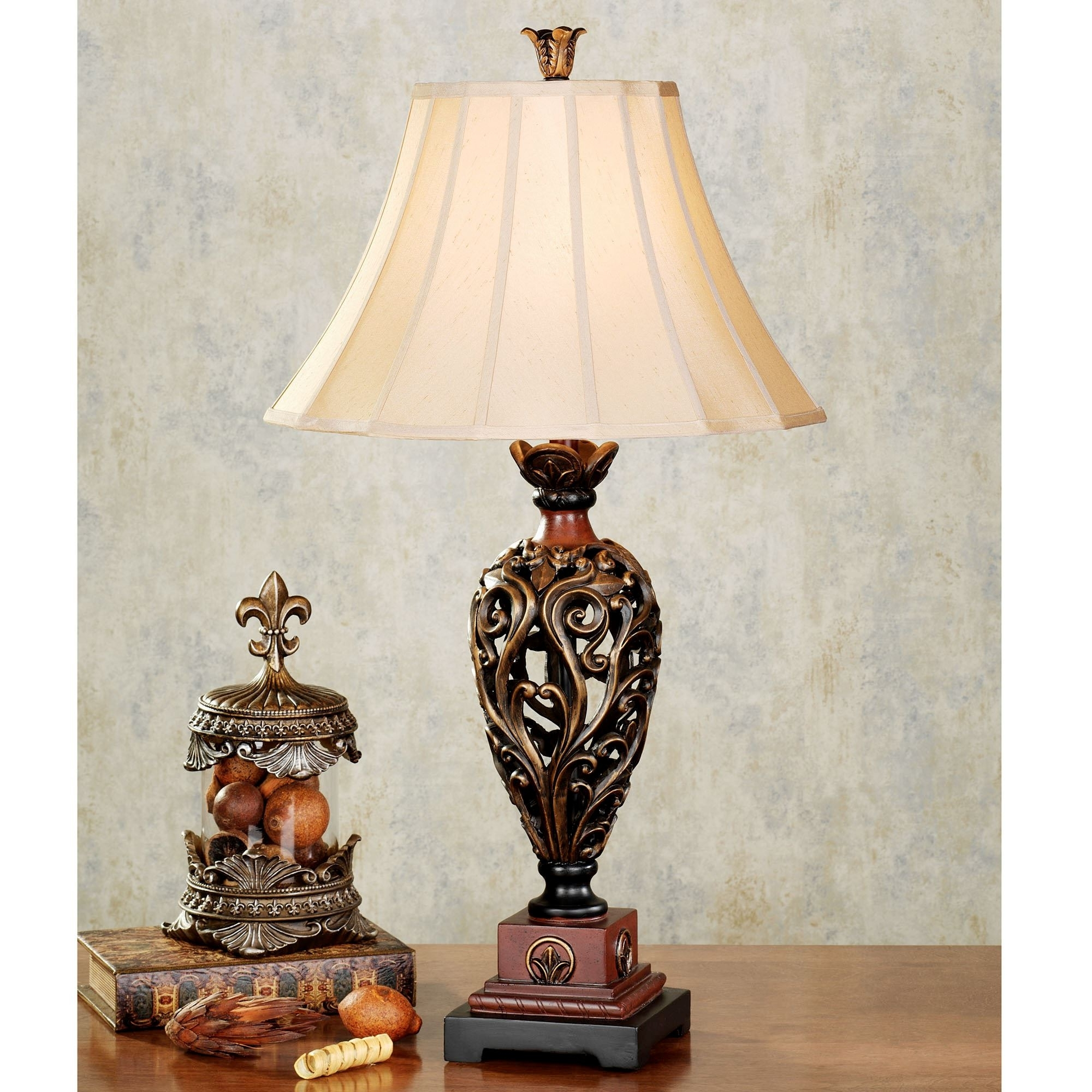 Featured Photo of Antique Living Room Table Lamps