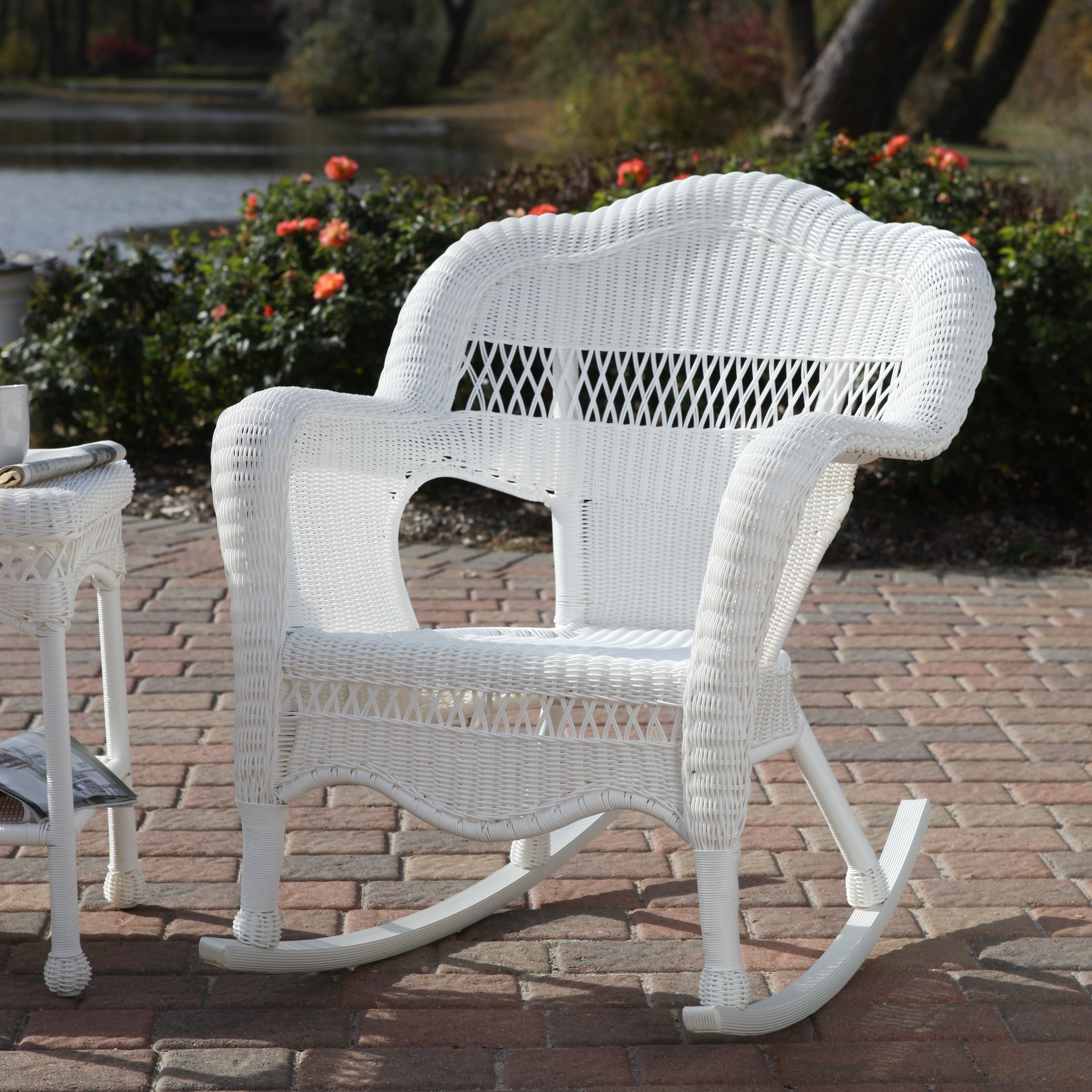 Newest Painting White Wicker Chairs — The Home Redesign With Regard To White Wicker Rocking Chair For Nursery (View 19 of 20)