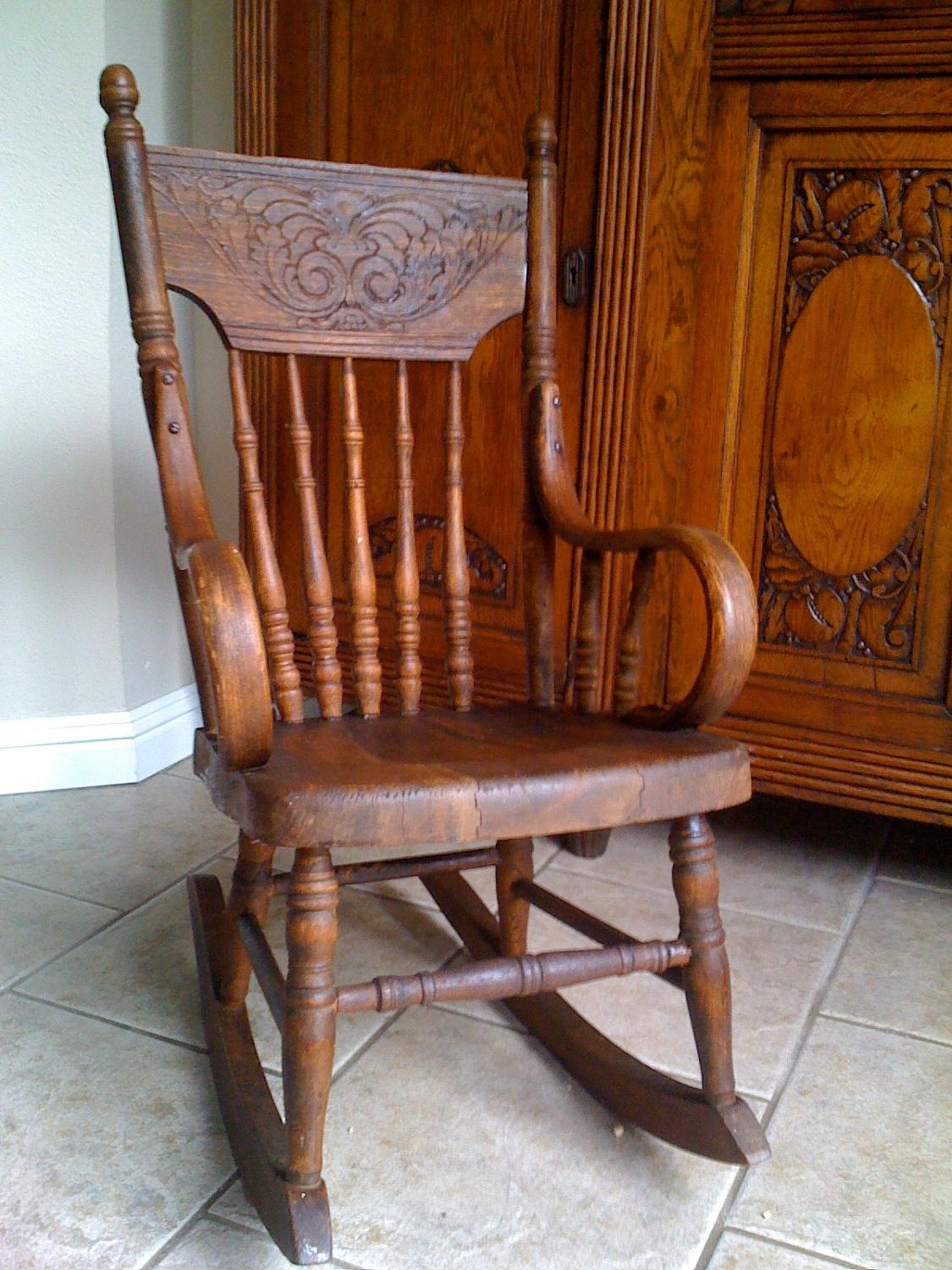 Old Fashioned Rocking Chairs Regarding Best And Newest Incredible Old Fashioned Rocking Chair Pertaining Luxury Interior (View 3 of 20)