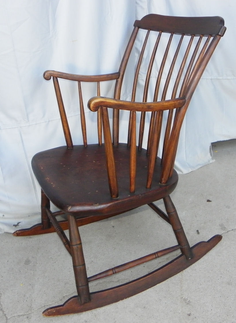 Old Fashioned Rocking Chairs Within Most Up To Date Bargain John's Antiques (View 7 of 20)