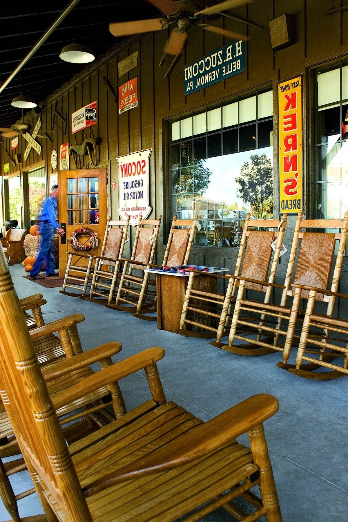 Rocking Chairs At Cracker Barrel Intended For Best And Newest Cracker Barrel To Donate Rocking Chairs To Military Families (View 10 of 20)
