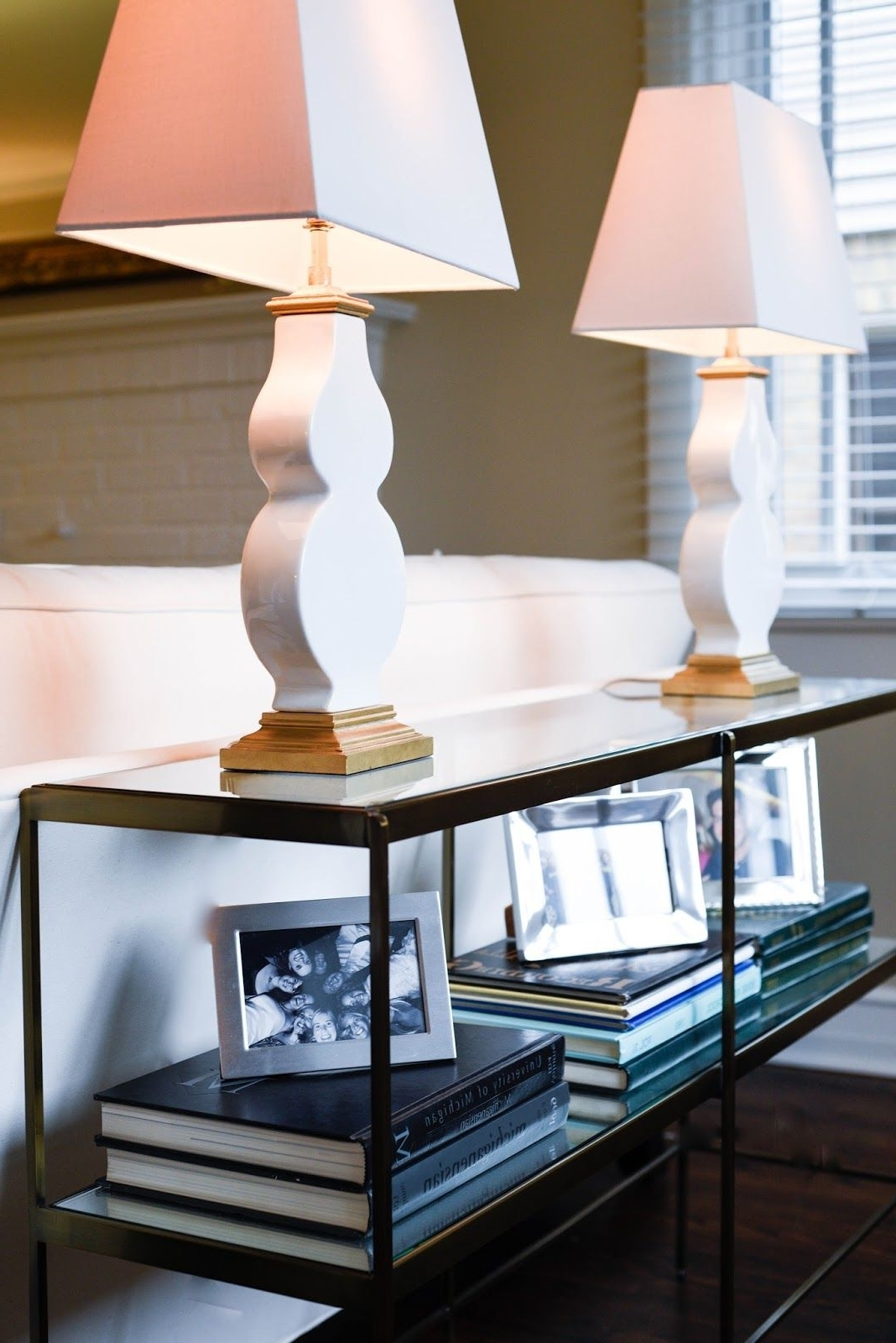 Transitional Pertaining To Favorite Transitional Living Room Table Lamps (View 20 of 20)