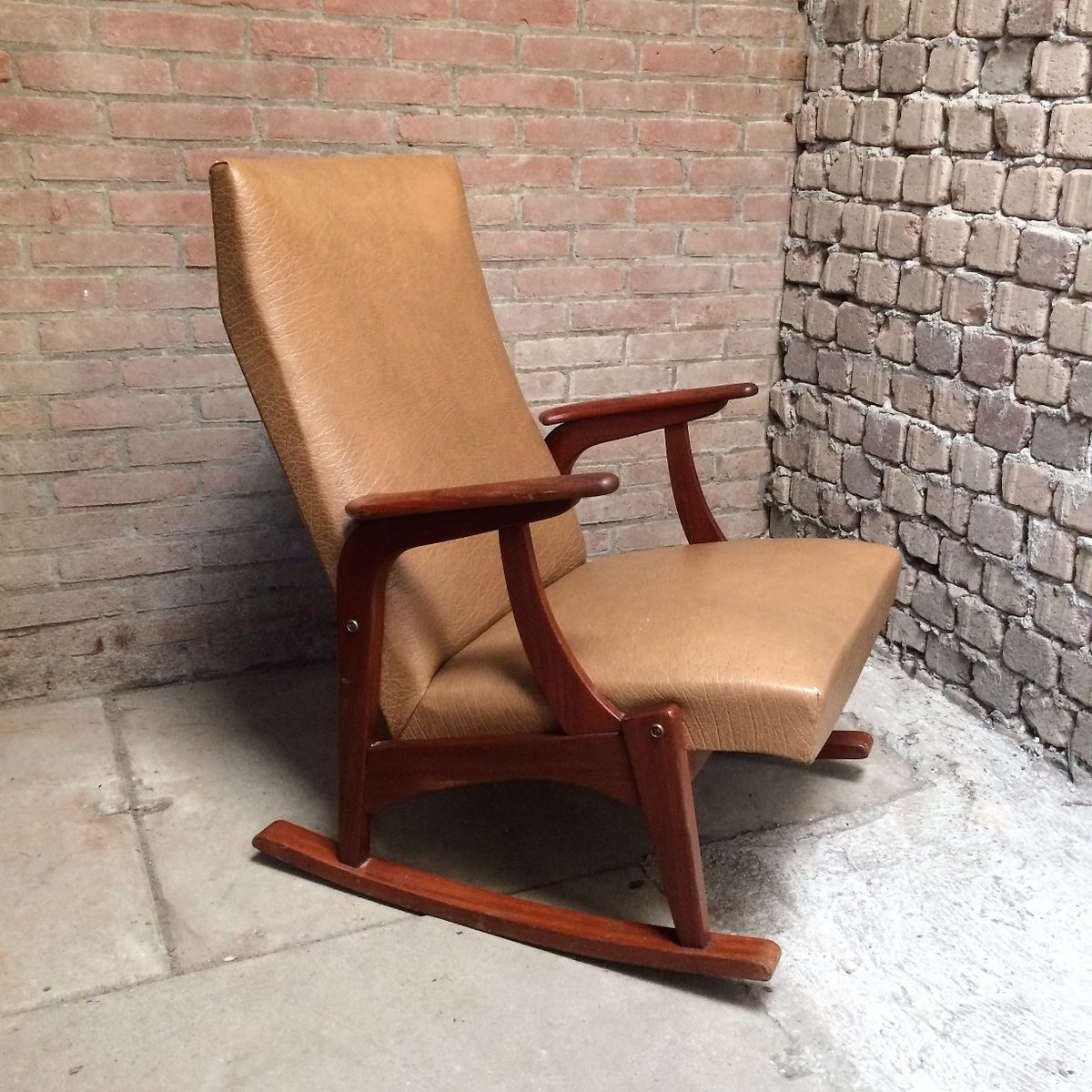 Vintage Rocking Chair, 1960s For Sale At Pamono With Regard To Most Current Retro Rocking Chairs (View 18 of 20)
