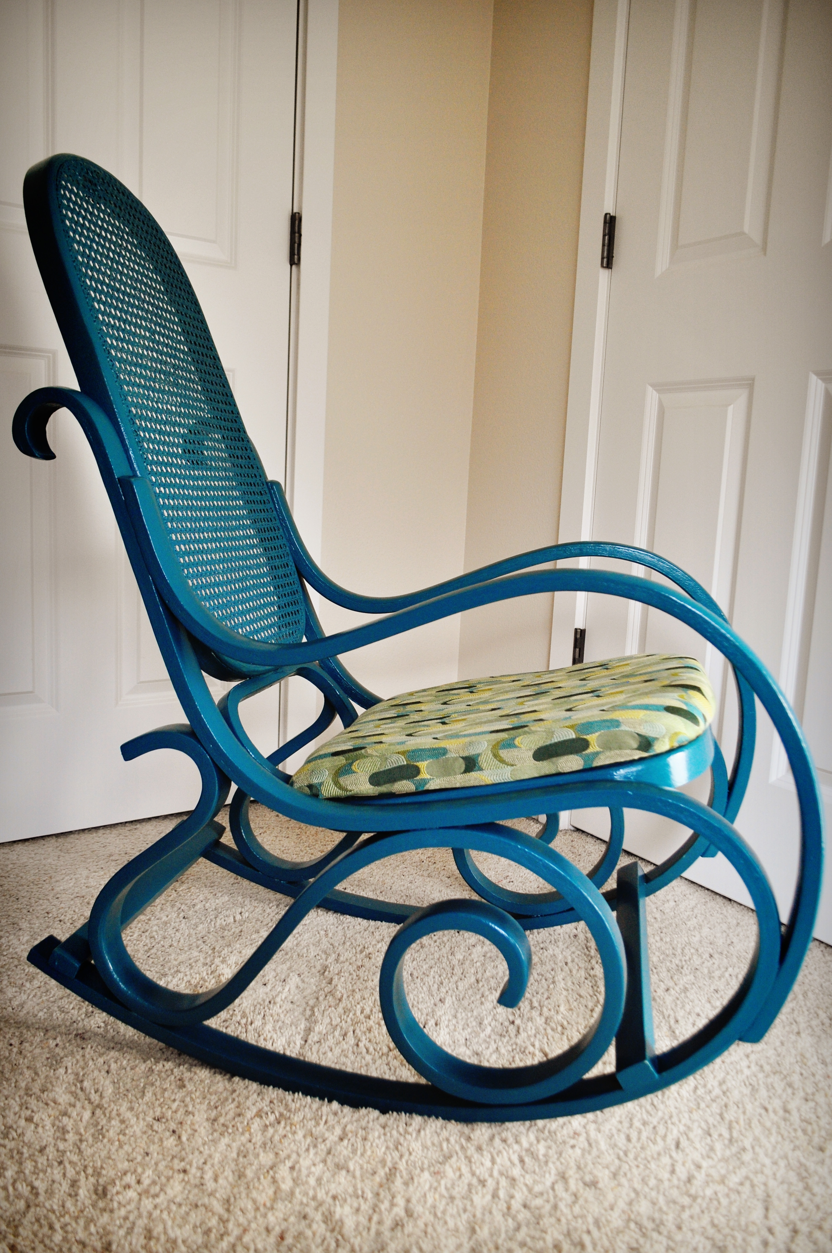 Well Known Vintage Wicker Rocking Chairs Pertaining To Furniture: Antique Wicker Rocking Chair Design (View 13 of 20)