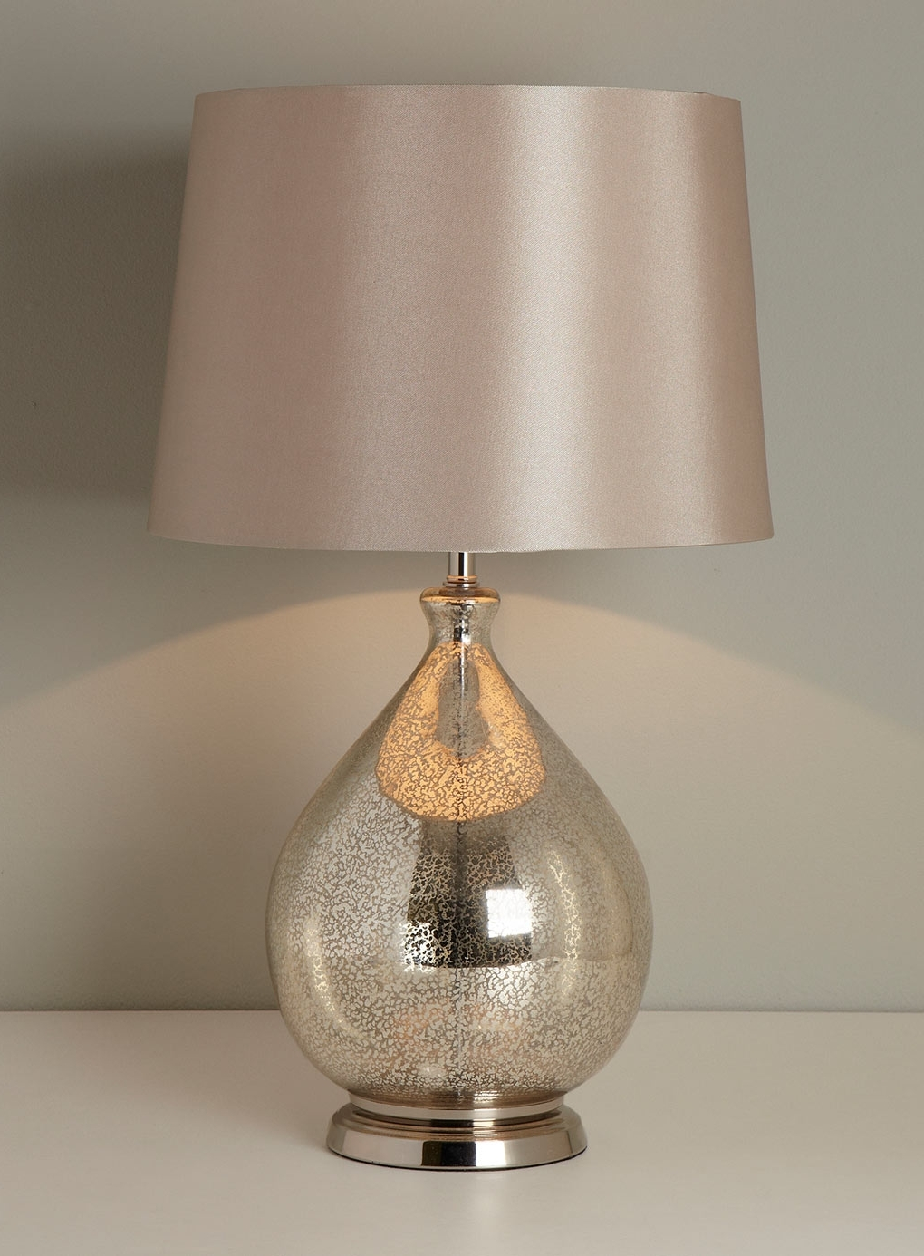 Well Liked Gold Living Room Table Lamps Intended For An Overview Of Bedside Table Lights – Lighting And Chandeliers (View 4 of 20)