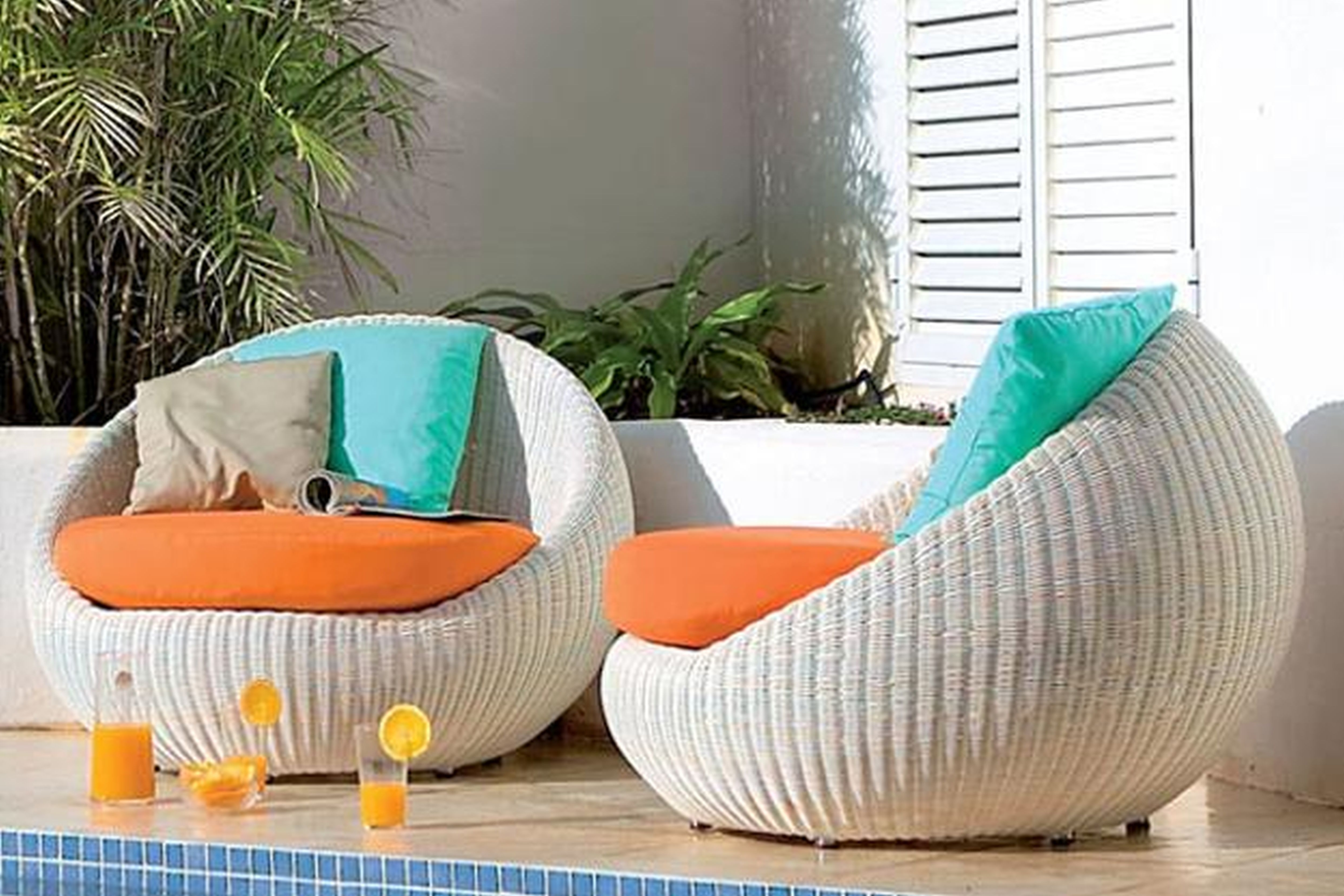 White Rattan Outdoor Lounge Furniture – Outdoor Designs Regarding Latest Modern Patio Conversation Sets (View 6 of 20)