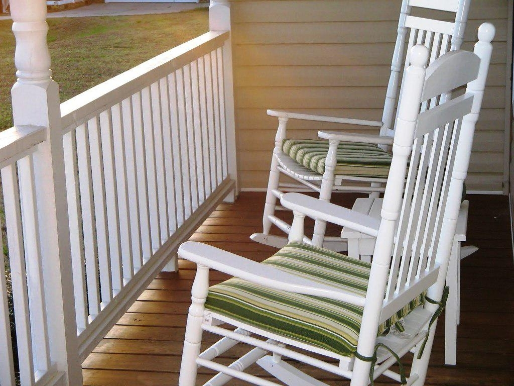 White Rocking Chair Cushions (View 11 of 20)