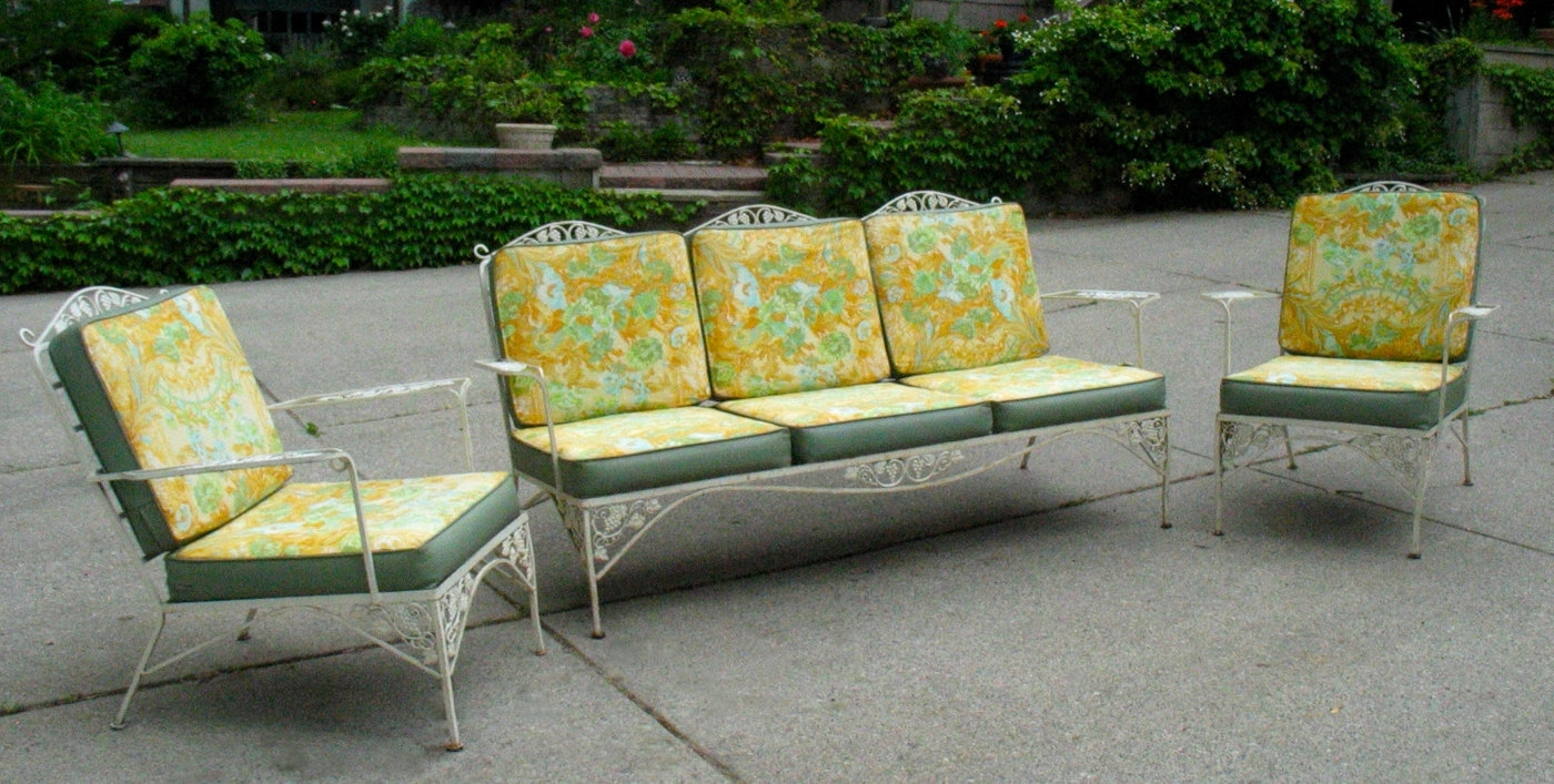 53 Vintage Woodard Patio Furniture, Newport Avenue Antiques: Vintage Pertaining To Popular Vintage Patio Umbrellas For Sale (Gallery 4 of 20)