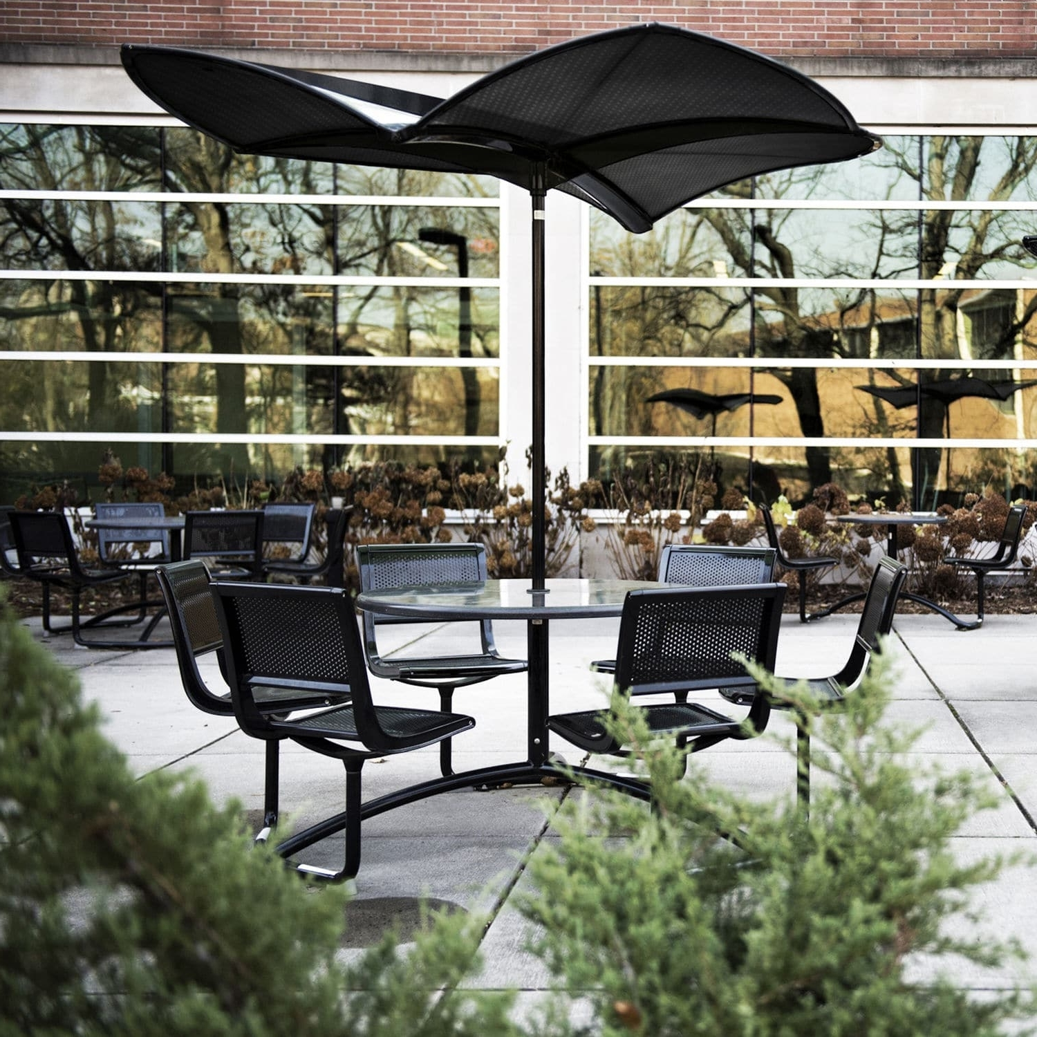 Commercial Patio Umbrellas With Most Recent Commercial Patio Umbrella / Metal – 35 : Shadefrog (View 5 of 20)