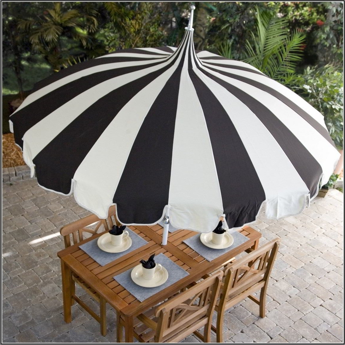 Current Black And White Patio Umbrellas Inside Black And White Garden Patio Umbrellas Decorating (View 10 of 20)