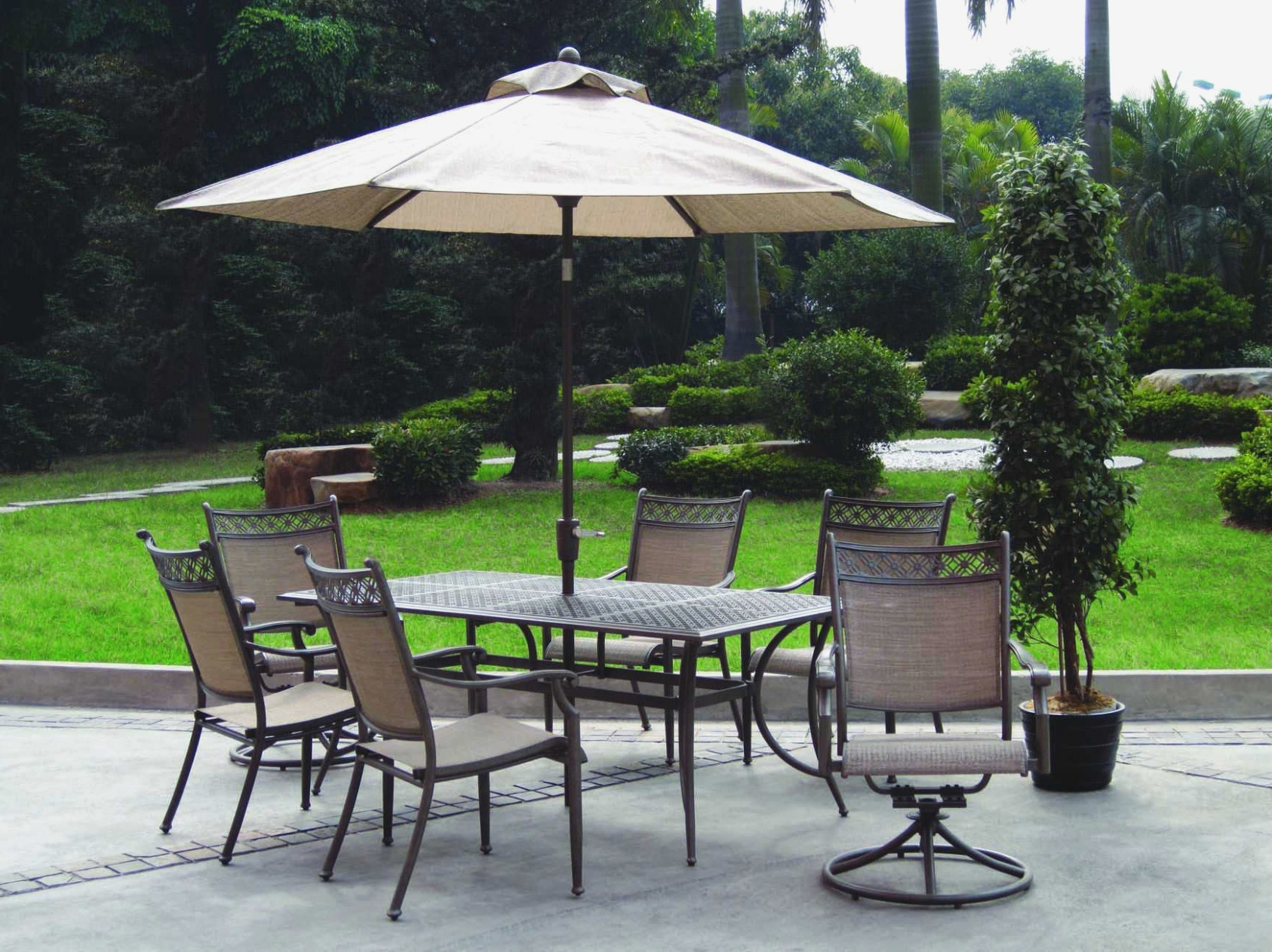 Current Enchanting Cheap Patio Umbrellas With Furniture Alluring Collection Throughout Cheap Patio Umbrellas (View 20 of 20)