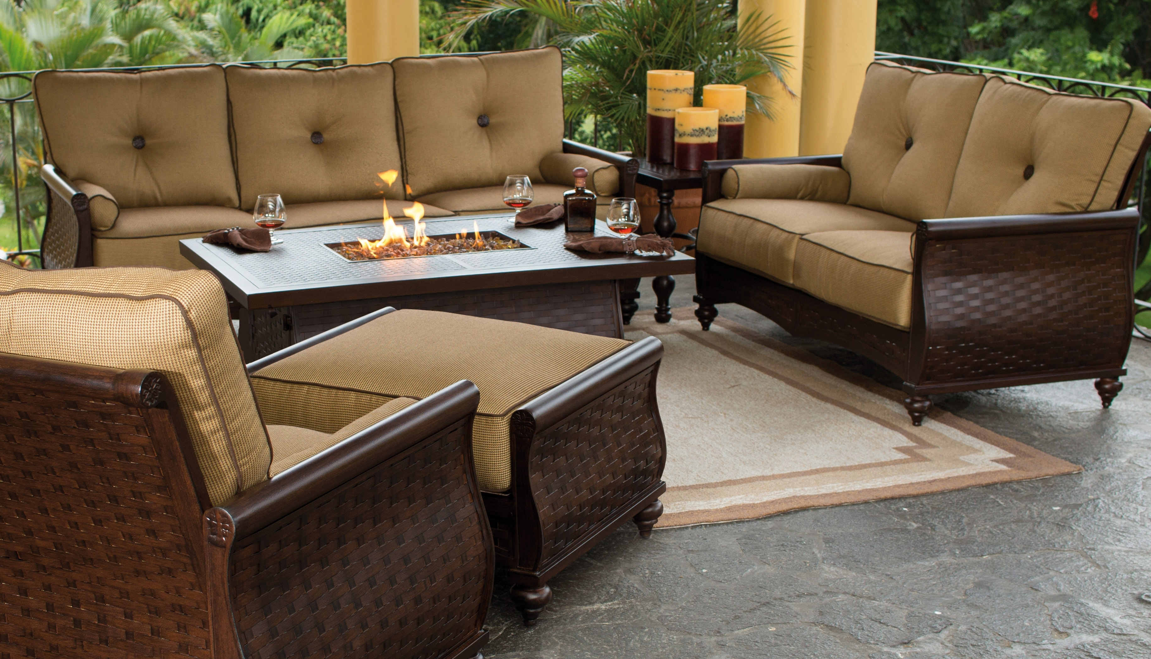 Featured Photo of High End Patio Umbrellas