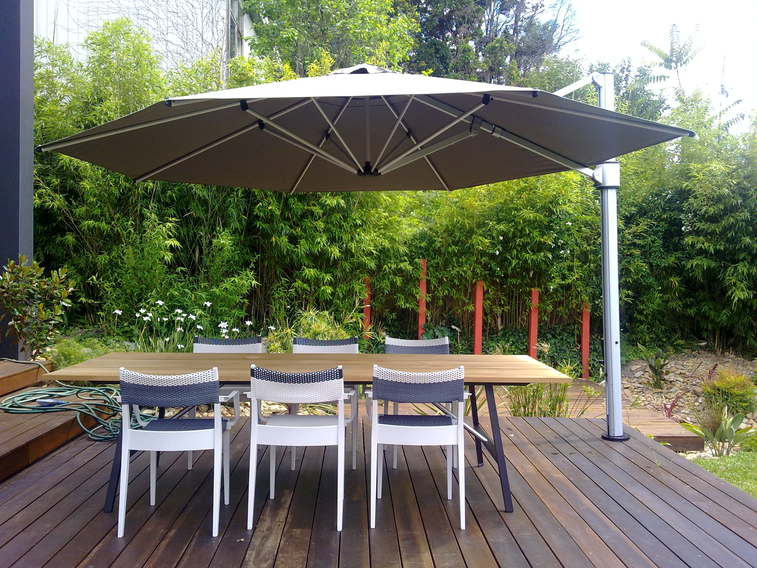 Eclipse Patio Umbrellas Regarding Well Known 4M Octagonal Eclipse Cantilever Umbrella – Instant Shade Umbrellas (Gallery 5 of 20)